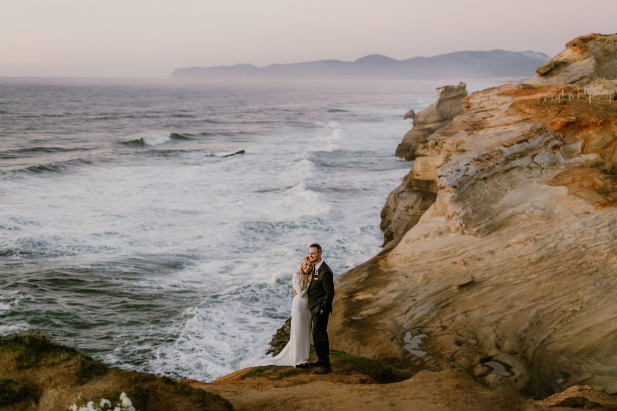Amazing Oregon Coast views at an elopement
