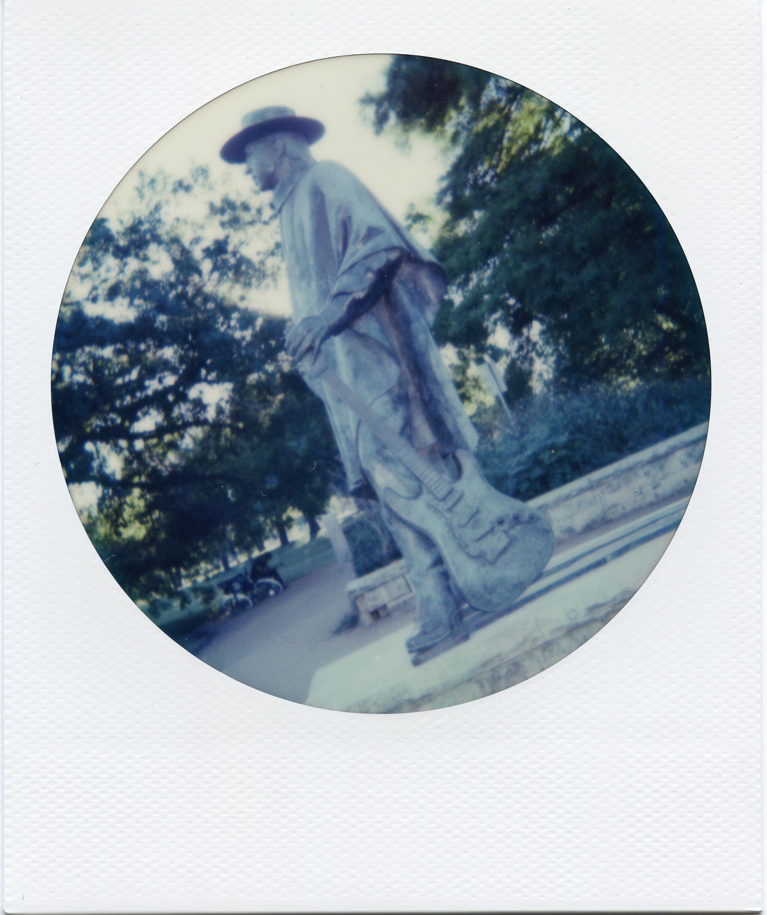 Polaroid ATX013-2.jpg
