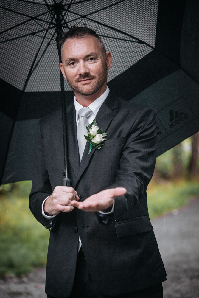 016_First Look_www.kevinandchristinephotography.com.jpg