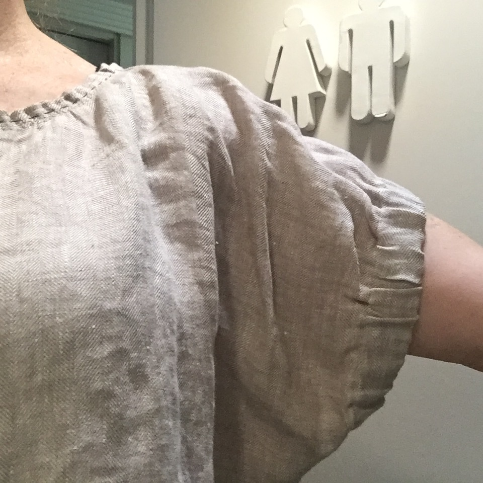 This is the  Frances top,  a free sewing pattern by  Fibremood