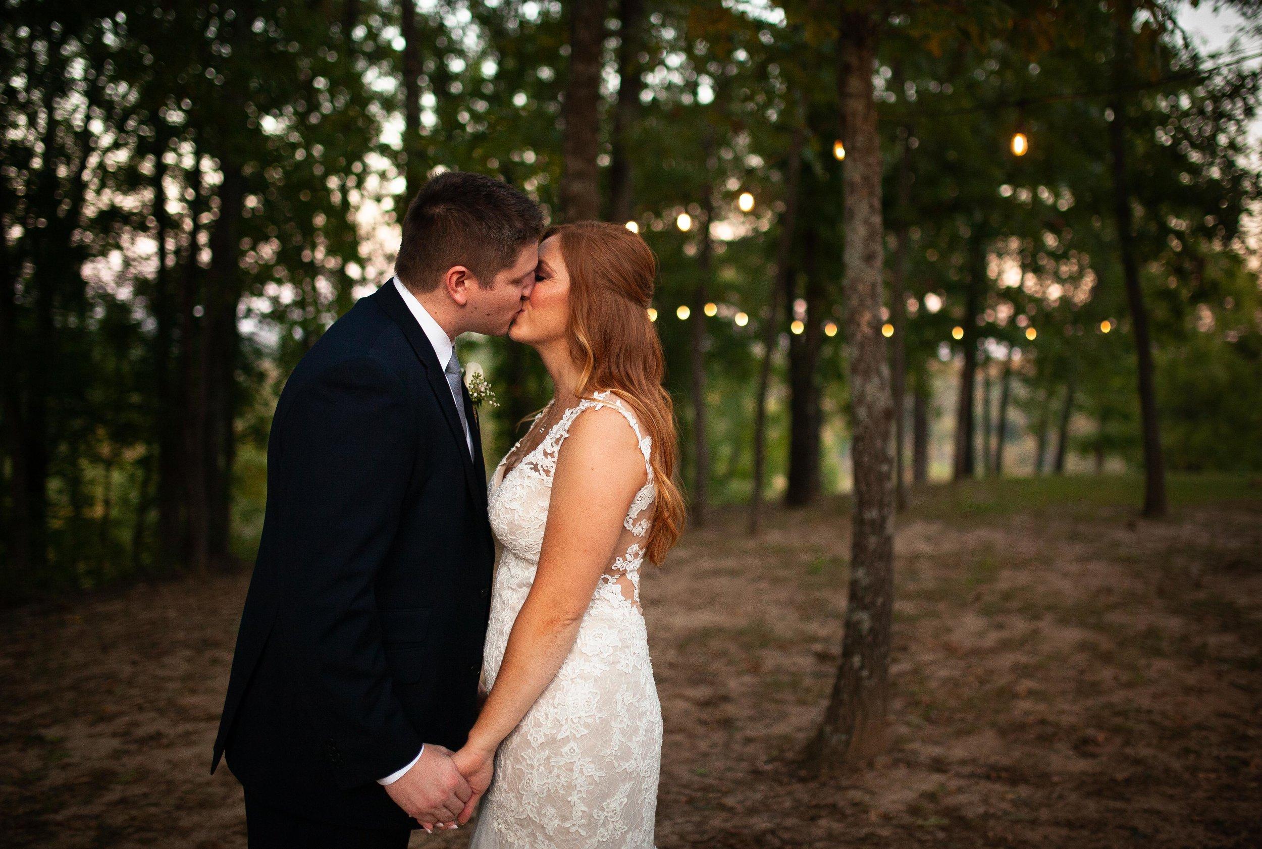 Where the Creeks Meet Wedding Photo Camdenton