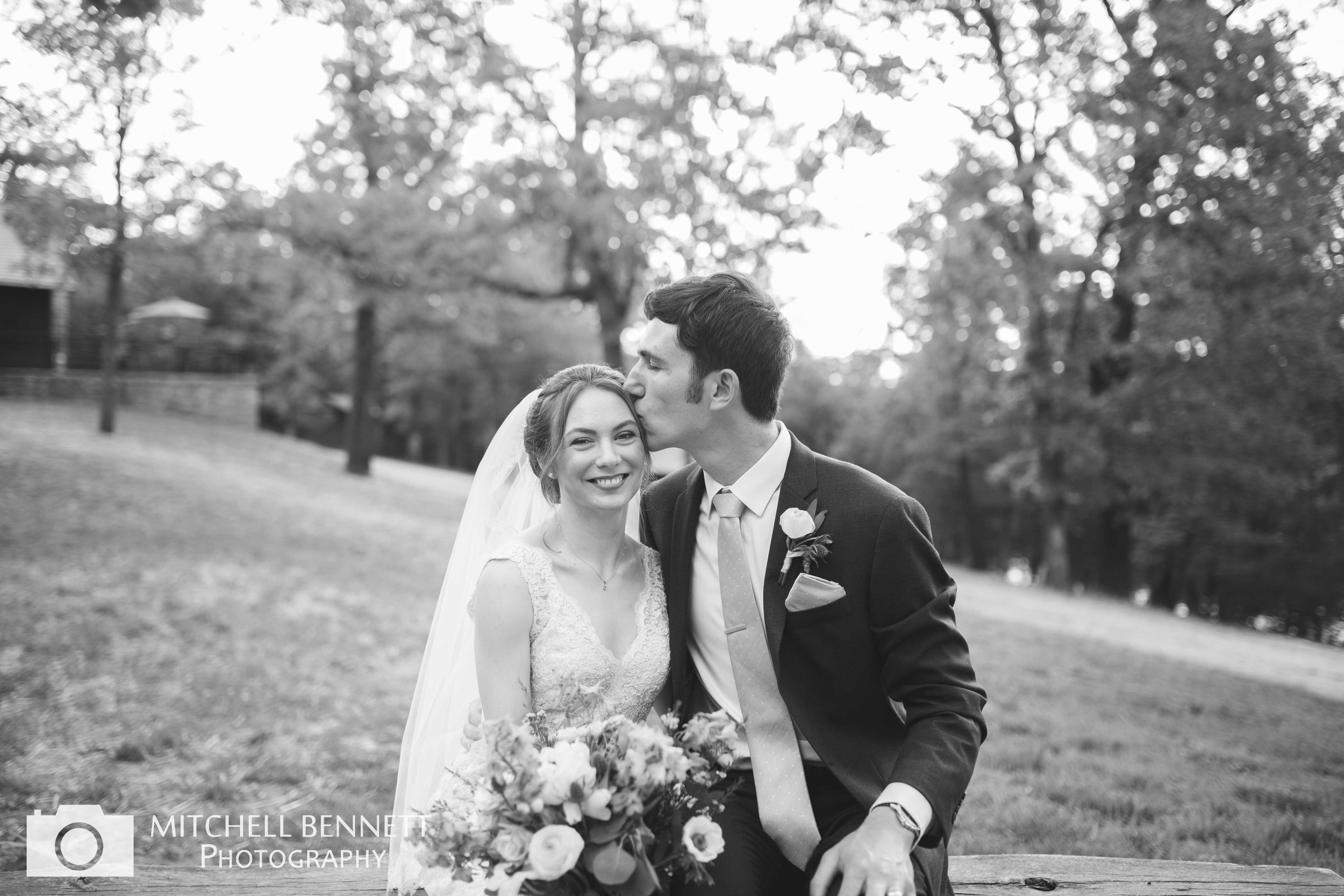 Pin Oak Lodge Wedding Venue Lake of the Ozarks