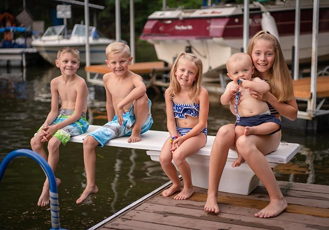 Every year the grandkids sit on this diving board for a picture. It is printed on canvas, stretched onto a wooden frame, and added to the lake house wall. It is so sweet to look across each piece of wall art to see the significant changes each year from child to child. Thank you for making us part of your special family tradition!⠀ .⠀ ⠀ #lakeoftheozarksphotographer⠀ #midmissouriphotographer #missouri #midmo #midmophotographer #jeffersoncity #jeffersoncityphotographer #lakeoftheozarksphotographer #lakeoftheozarks #osagebeach #lakeozarkphotographer #osagebeachphotographer #jcmo #centralmo #mitchellbennettphotography