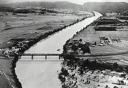 Aerial view of the Nepean River (looking south) in the 1930s. Photo courtesy of penrithcity.com.au