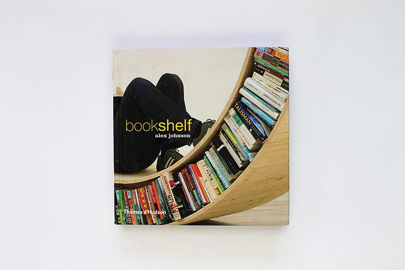 LIBRO | Bookshelf  | Autor: Alex Johnson | Editorial: Thames & Hudson | Reino Unido | 2012