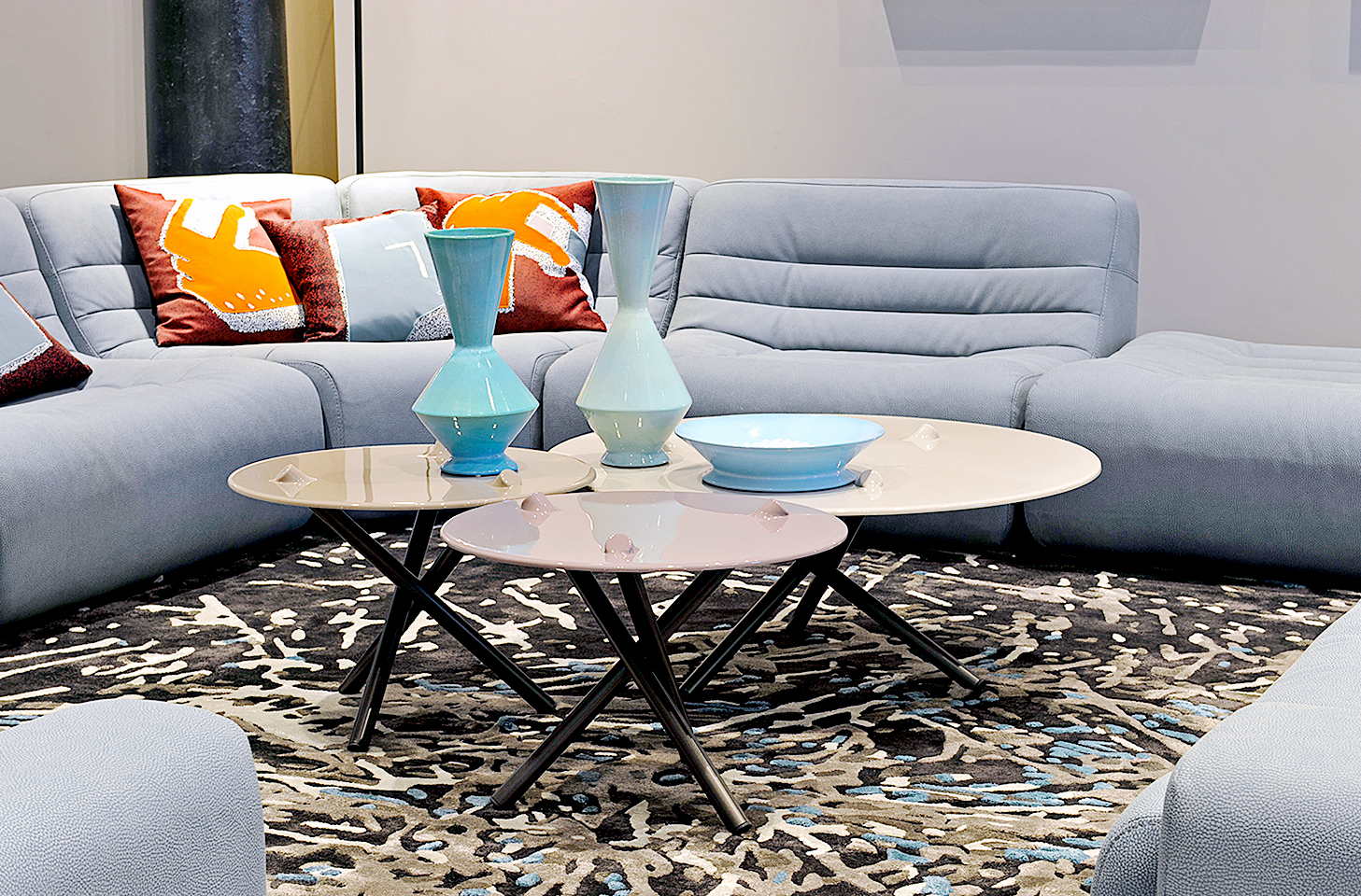 PUSH set de mesas — imagen cortesía de Roche Bobois