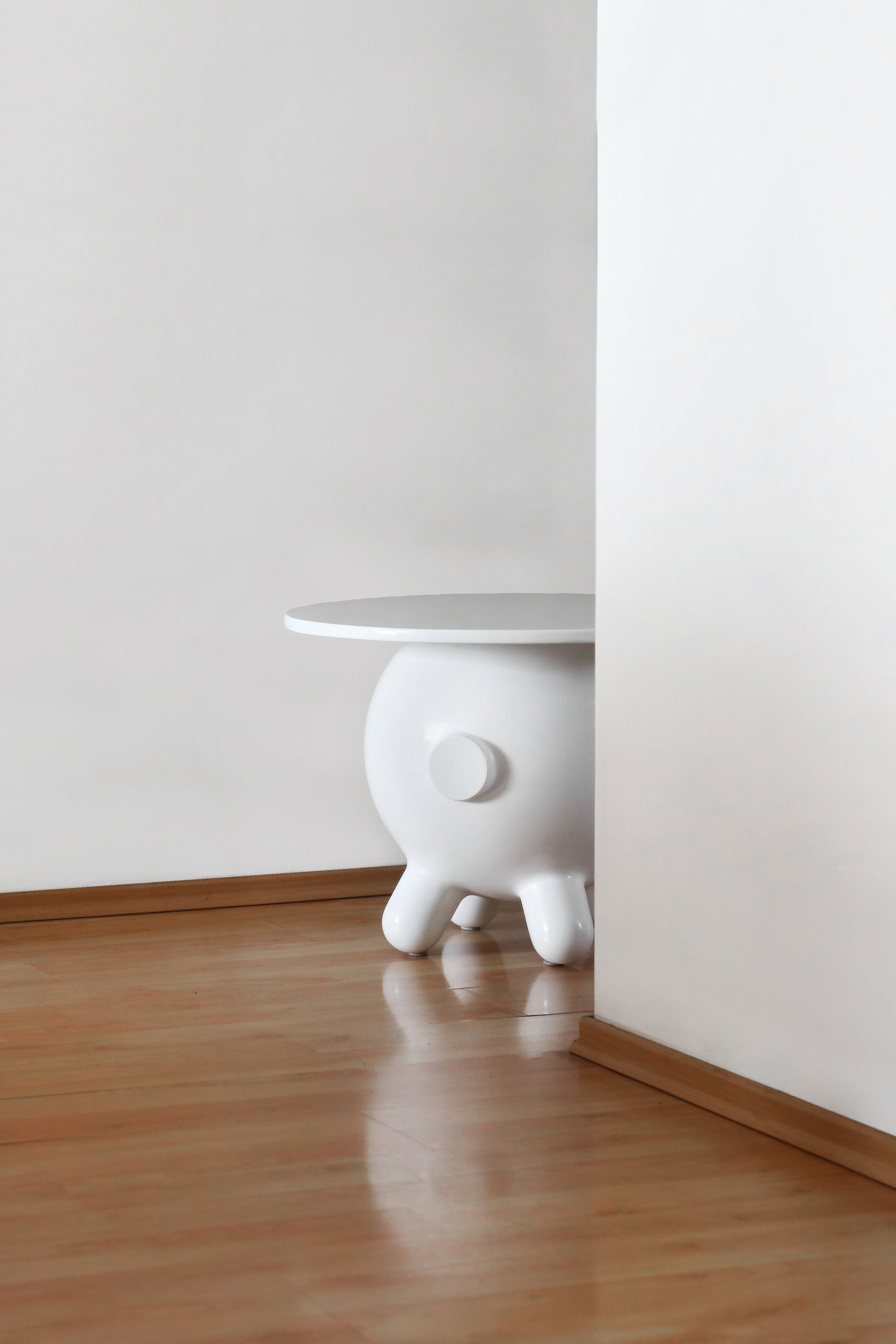 Pogo Table XL —5.jpg