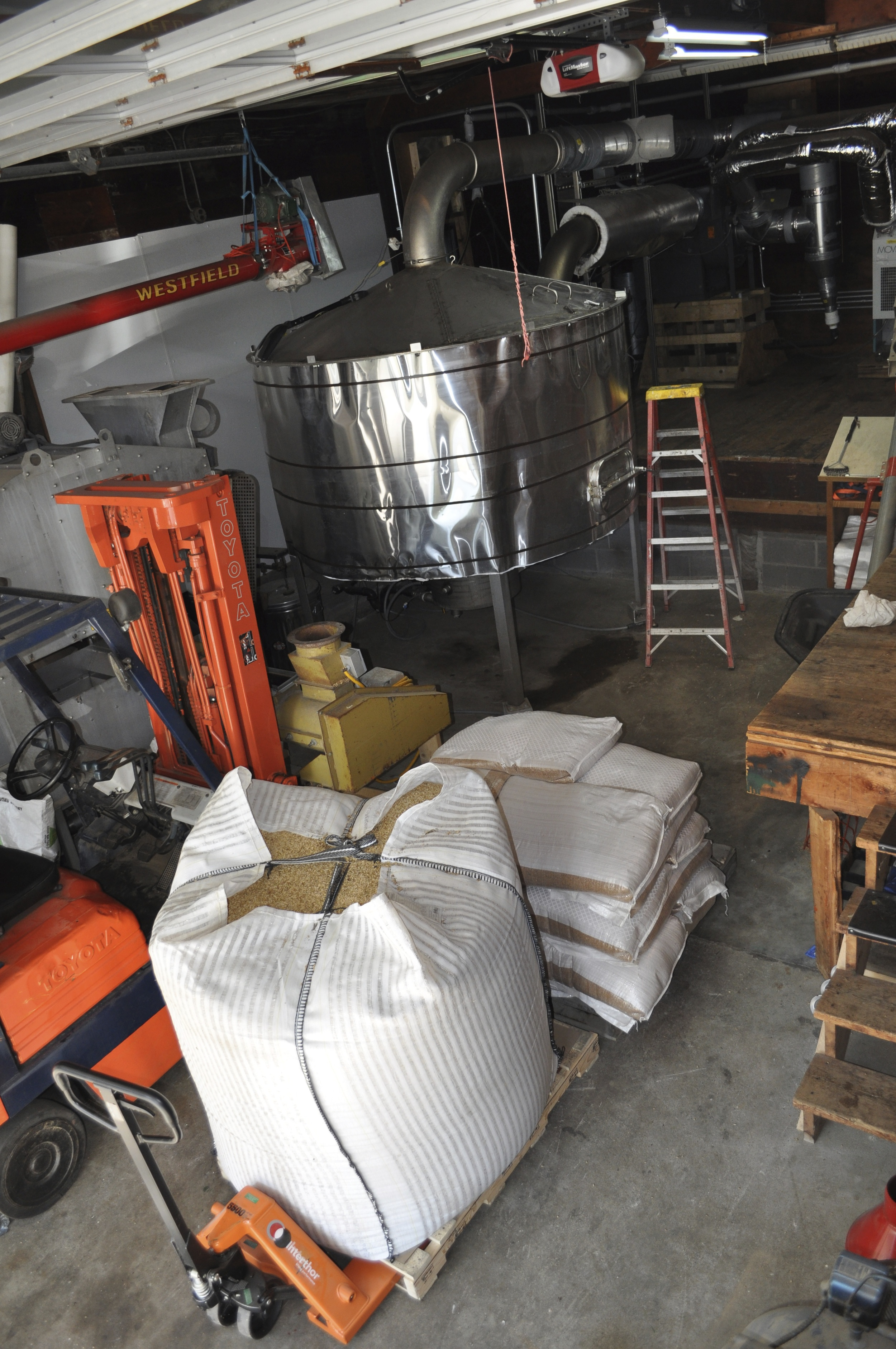 Grain arrives at the malthouse