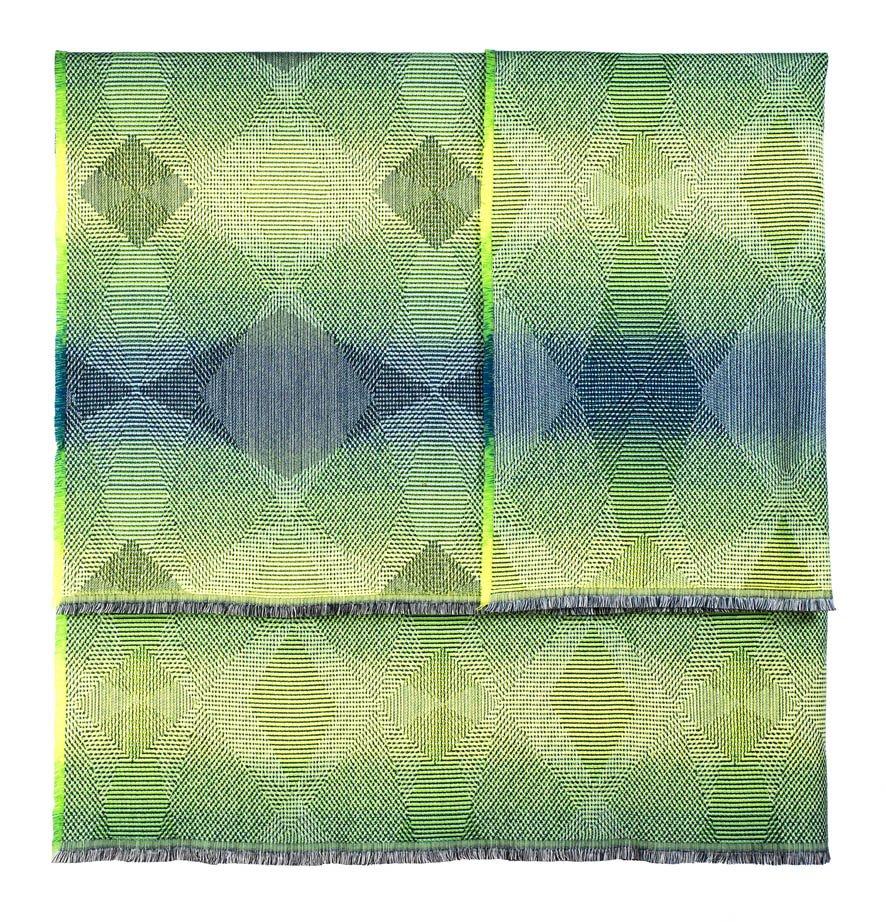 Lepidoptera fluo green -Throw     142 x 176 cm       Composition :   wool 95% silk 5%