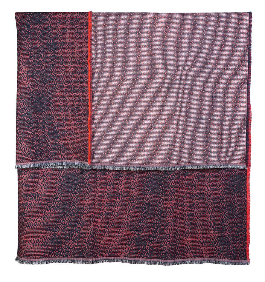 Silicium coral - throw     139 x 180 cm       Composition :   wool 95% silk 5%