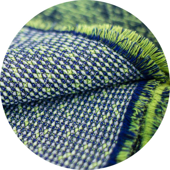 <see the green color variation of this pattern