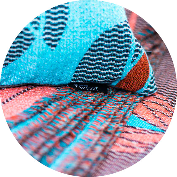 <see the coral/blue color variation of this pattern