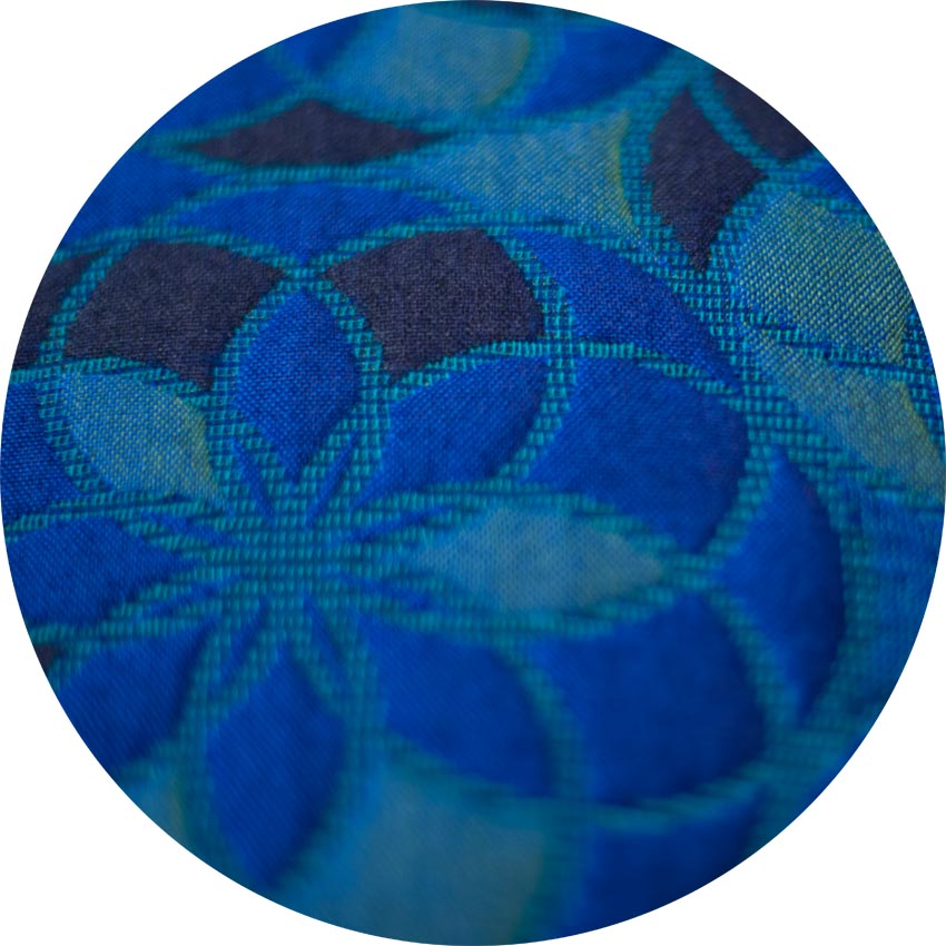 < see the blue variation of the  spires pattern
