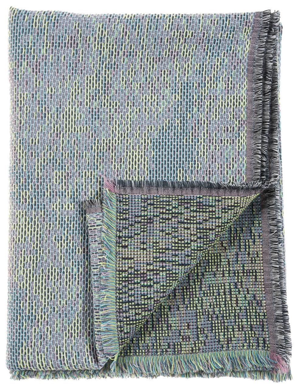 Reflet/ blue- mini throw/plaid≅ 142 x 110 cm  Composition: jacquard woven fabric 78% wool 16% viscose 6% silk