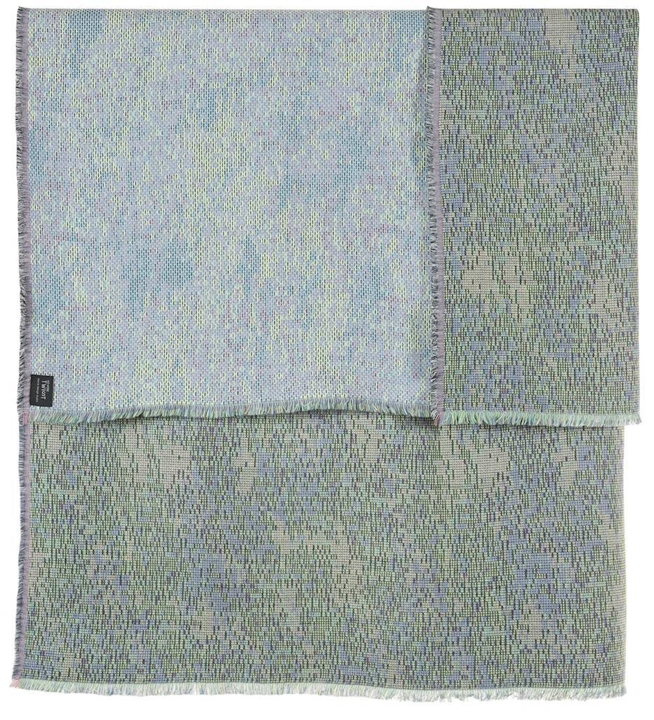 Reflet/ blue - mini throw / plaid≅ 142 x 110 cm  Composition: jacquard woven fabric 78% wool 16% viscose 6% silk
