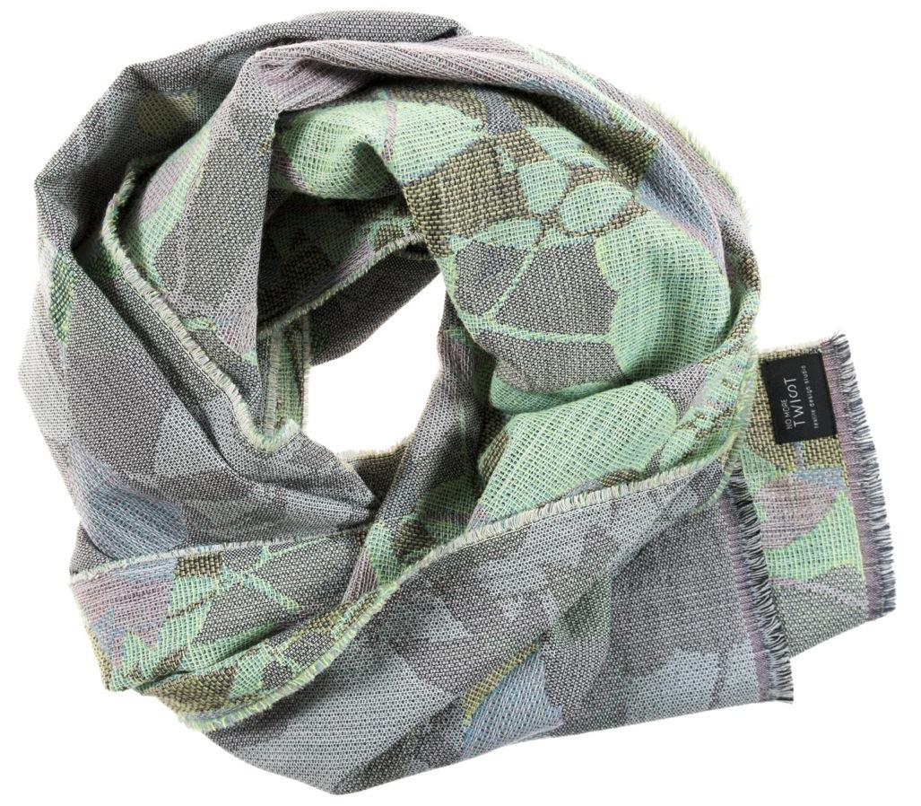 Ombrage/green- Scarf/étole 47 x 181 cm  Compositon: jacquard woven fabric 78% wool 16% viscose 6% silk