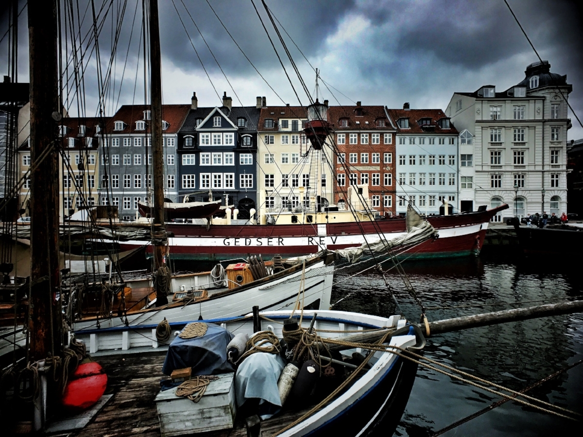 The requisite photo of Nyhavn.