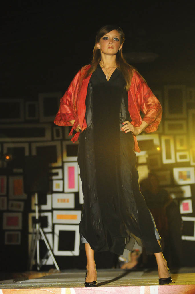 Black-Caftan-Red-Bolero.jpg