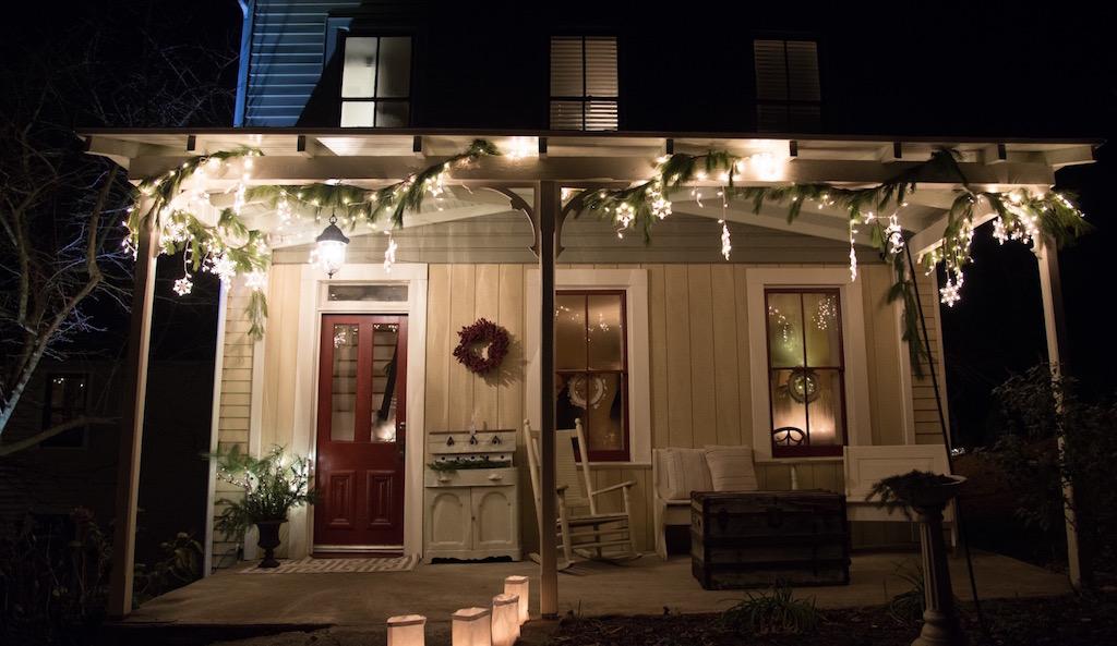 Farmhouse at Christmas.jpeg