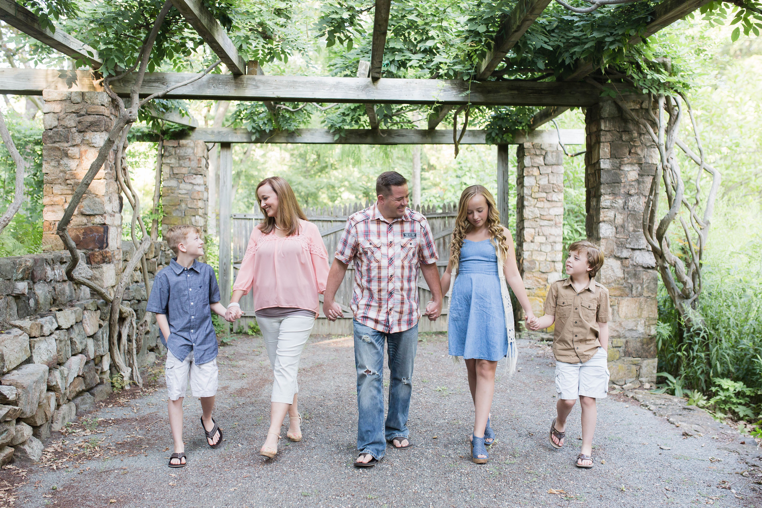 Cross Estate Gardens Family of Five Photography | North New Jersey Family Photography