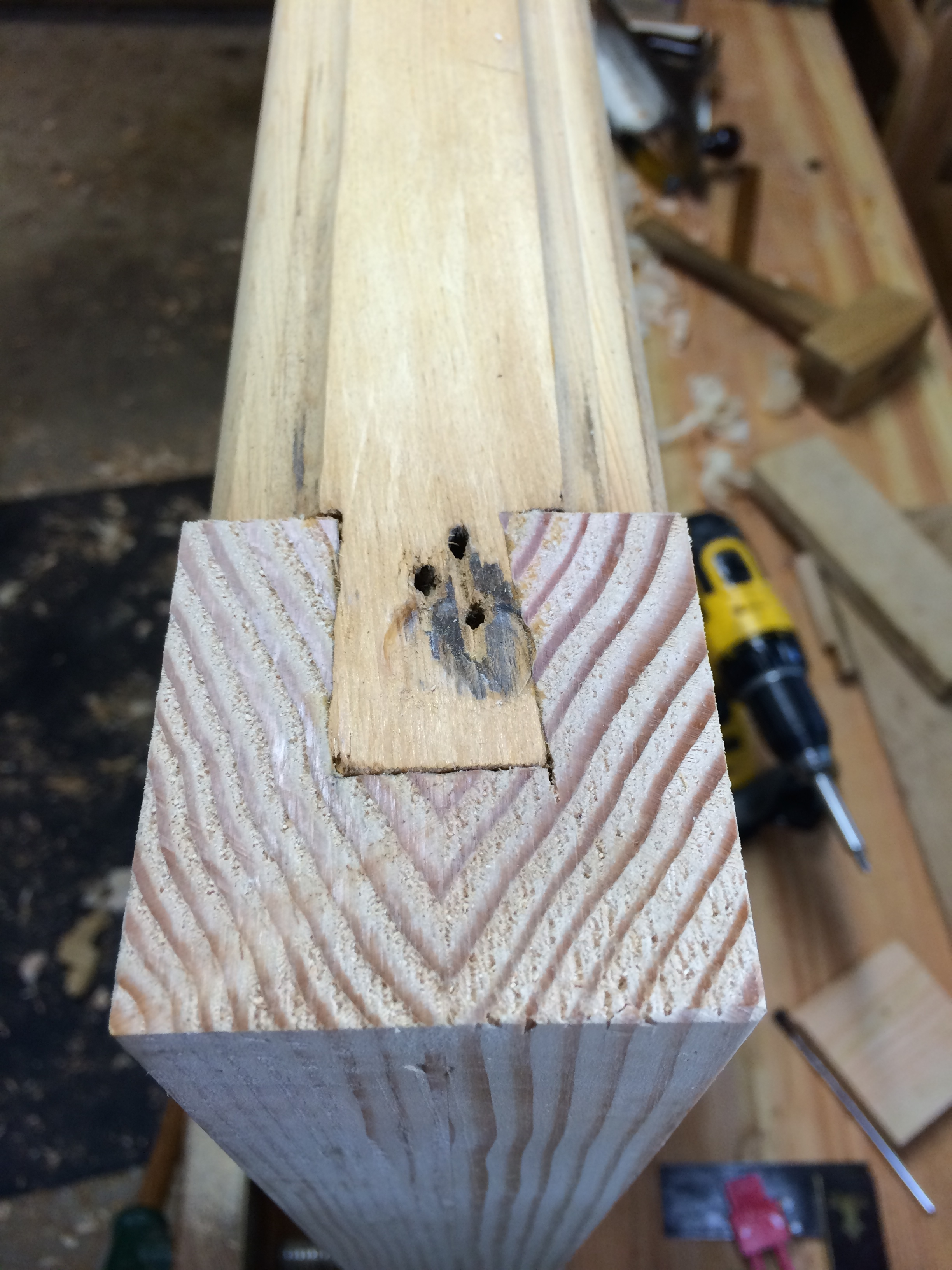 half dovetail for the top rail