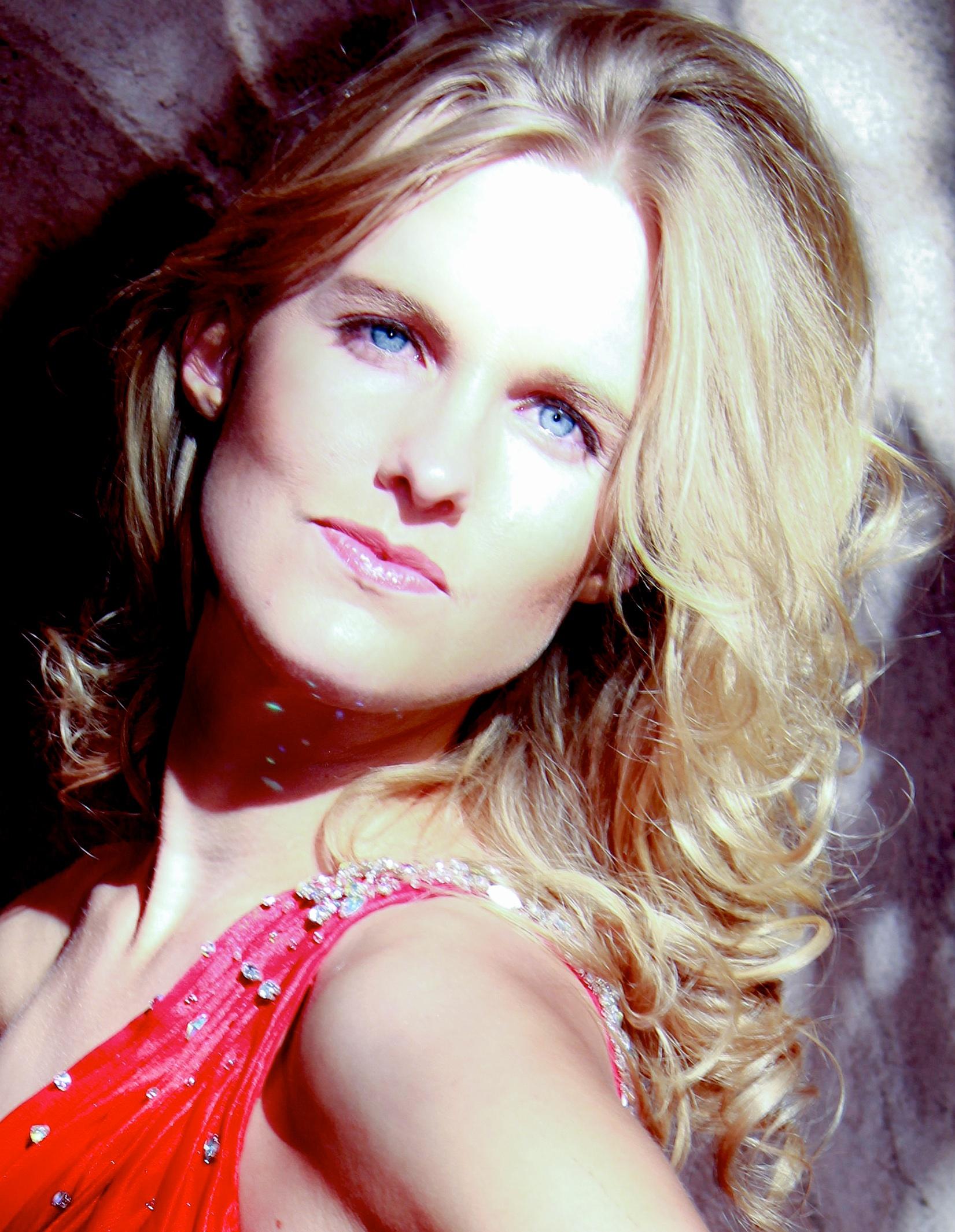 Christie Roshau - Sedona Photoshoot - Kelli Quan.jpg