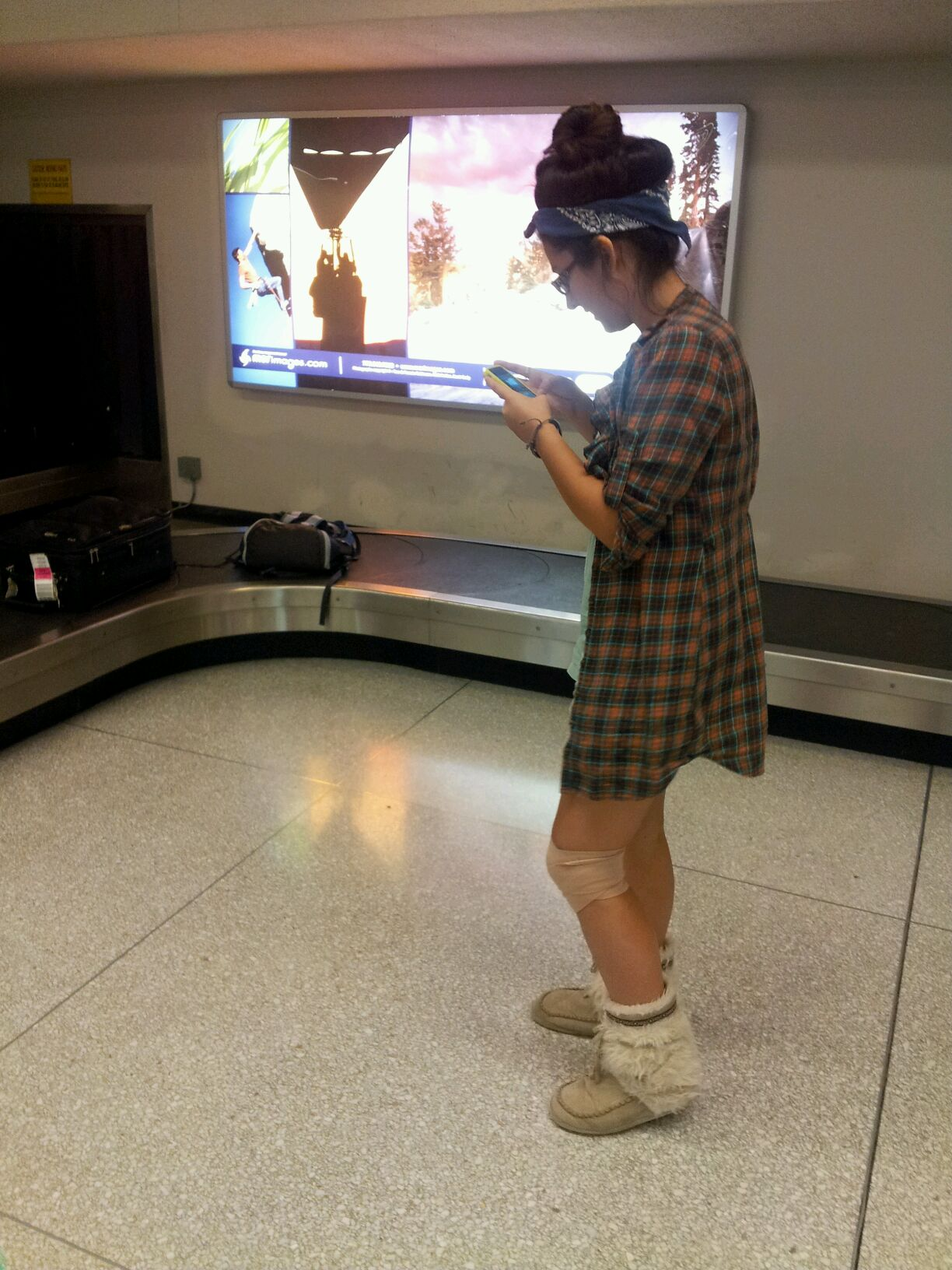 picture from the spokane airport last august. yeah, i really wore that in public...