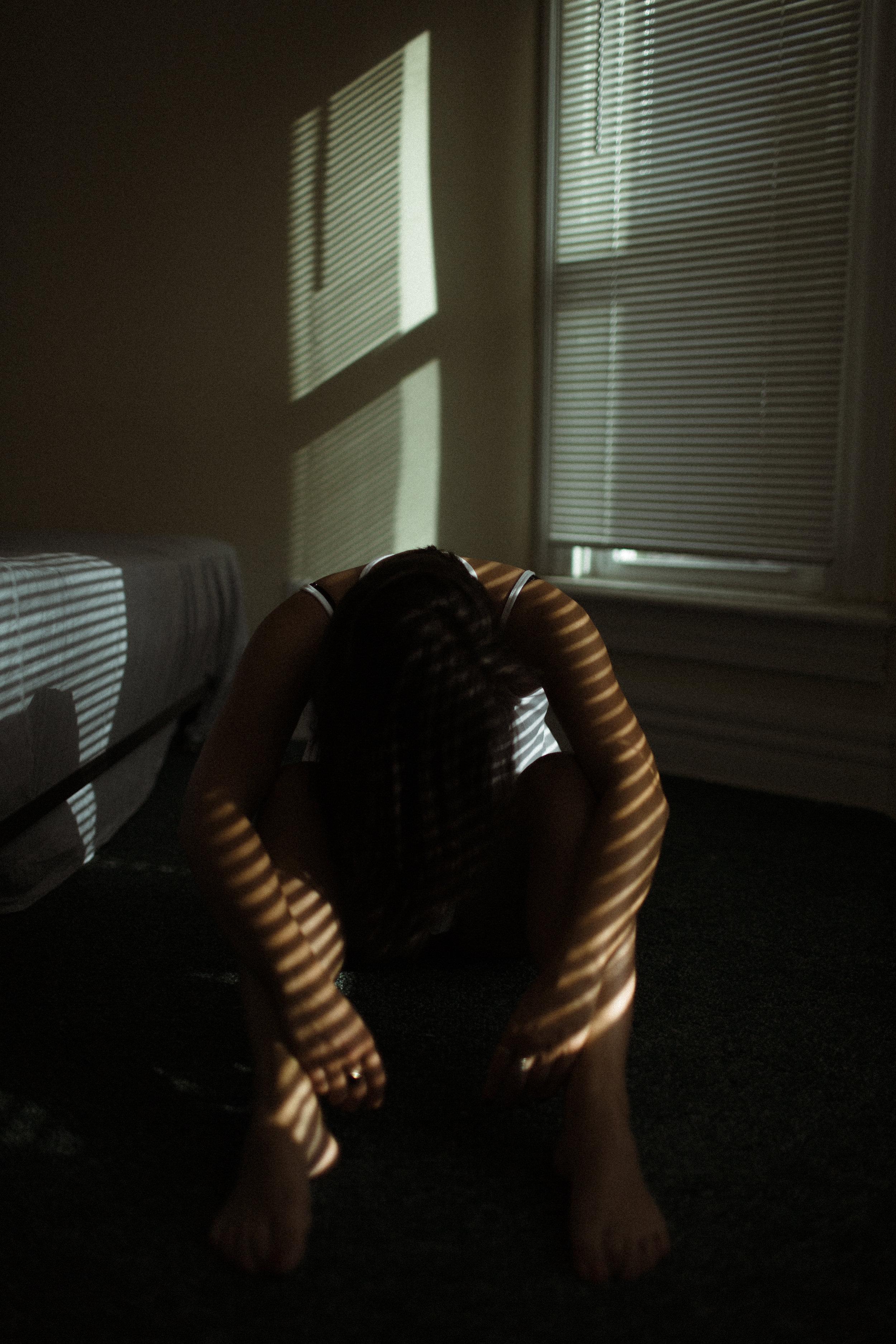 moody boudoir photographer ohio