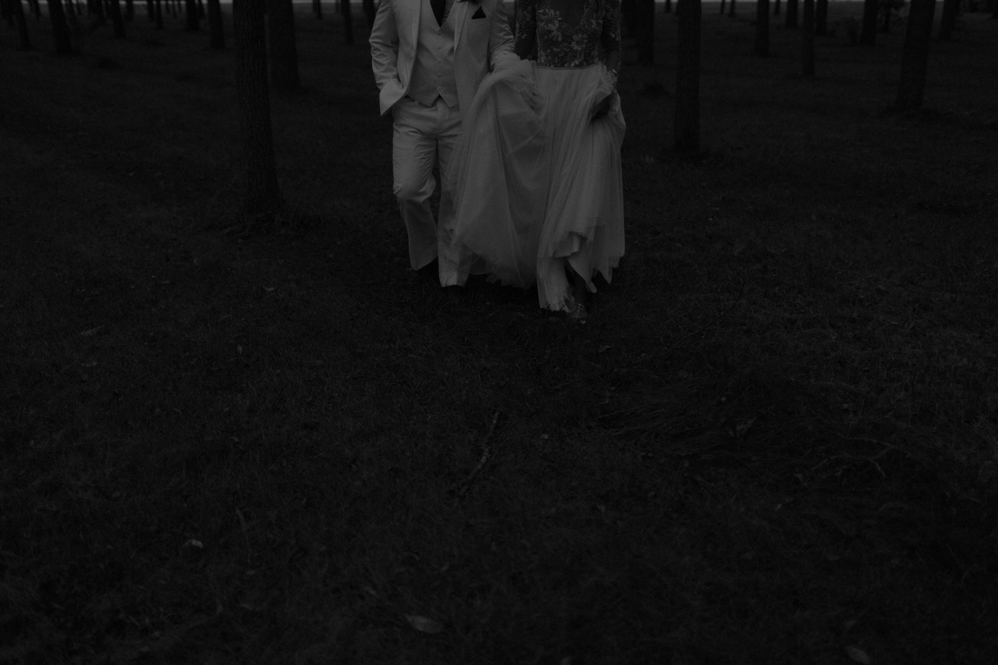 canyon run ranch wedding bohemian wedding photographer ohio bohemian wedding dayton ohio wedding photographer columbus ohio wedding photographer sarah rose hayley paige wedding gown