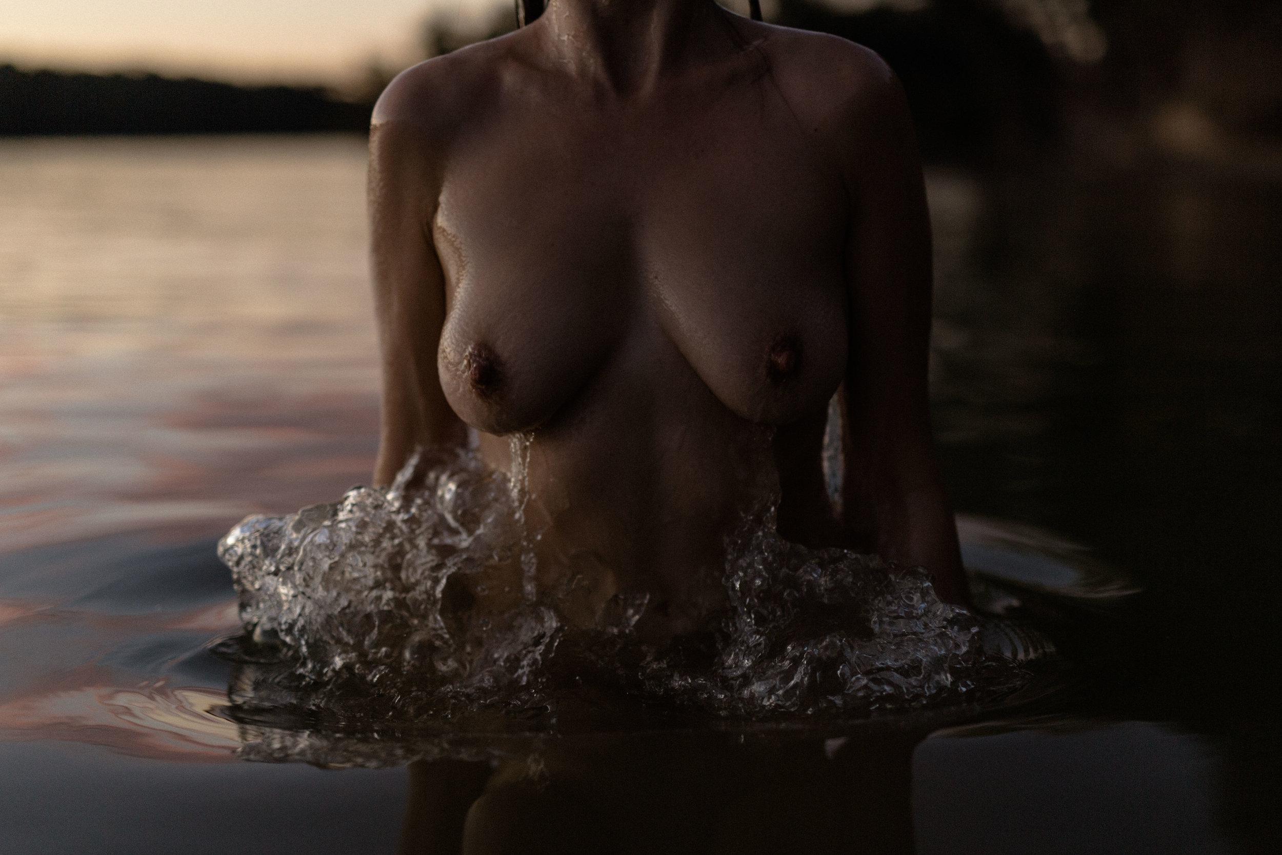 outdoor intimate portrait. artistic nude. boudoir inspiration. underwater nude. underwater boudoir. art model. anoushanou. ohio boudoir photographer. sarah rose photography. i am sarah rose.