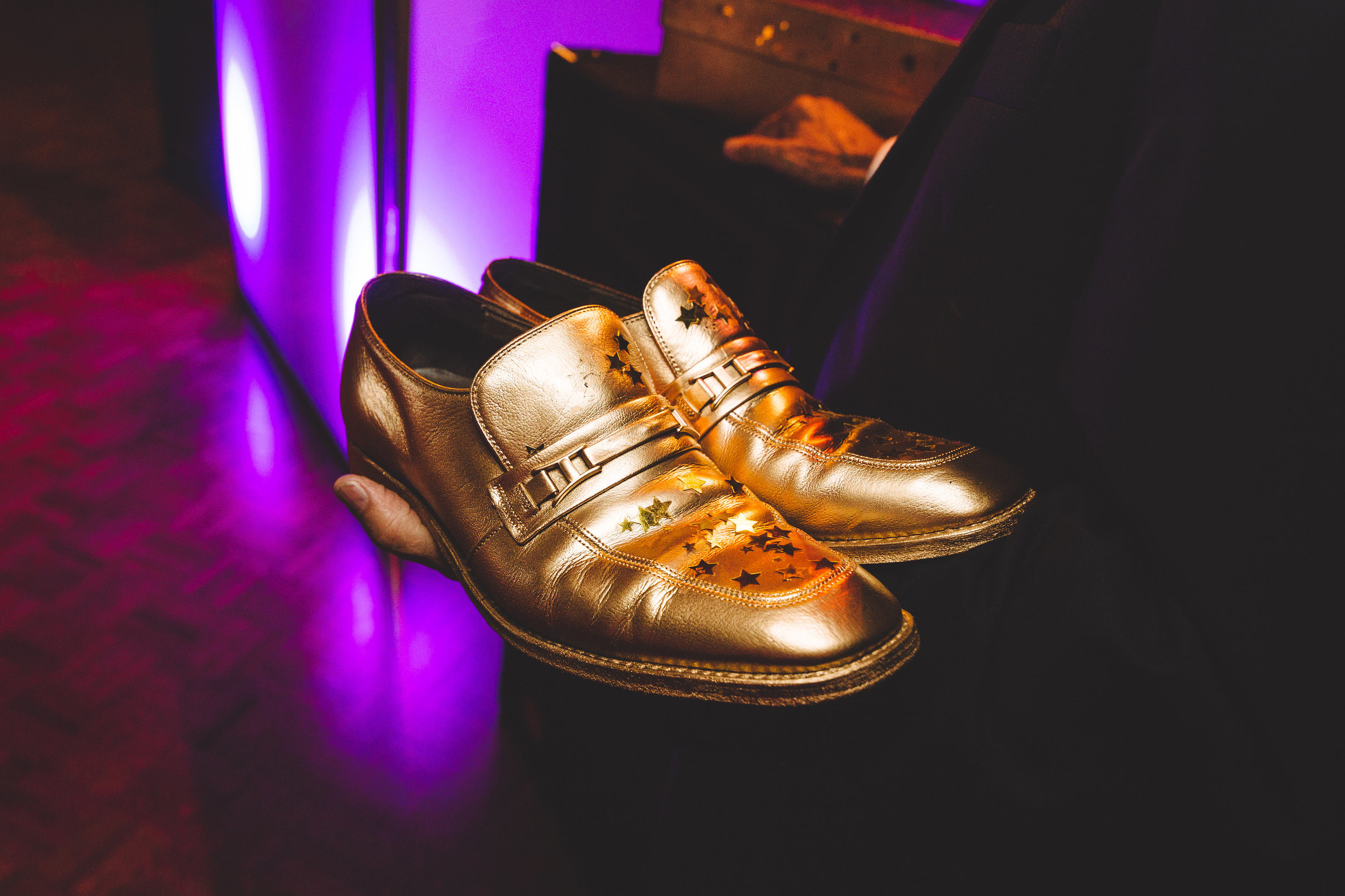 Gold_dance_shoes_at_wedding_reception