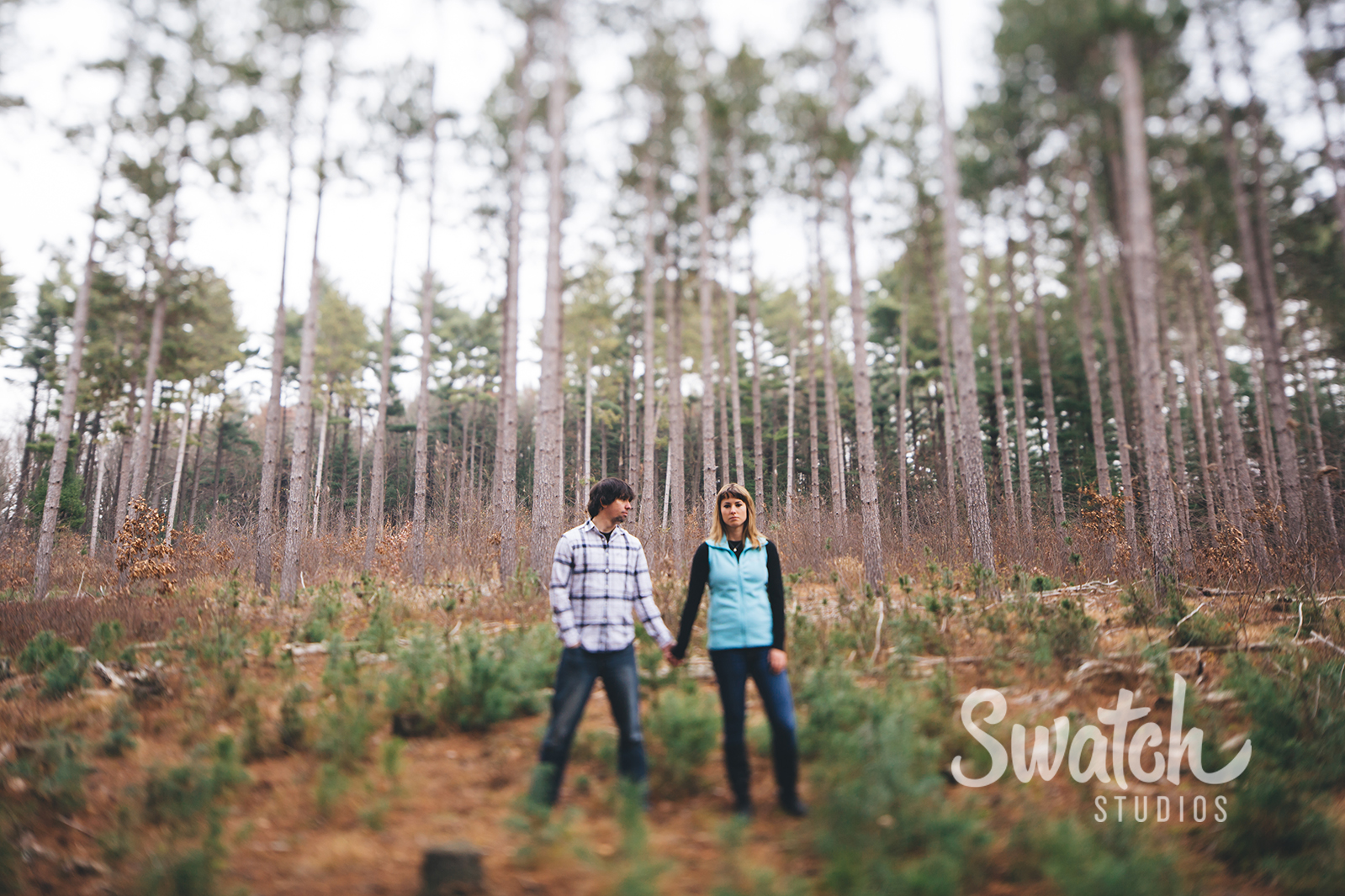 Winter_woods_engagement_session