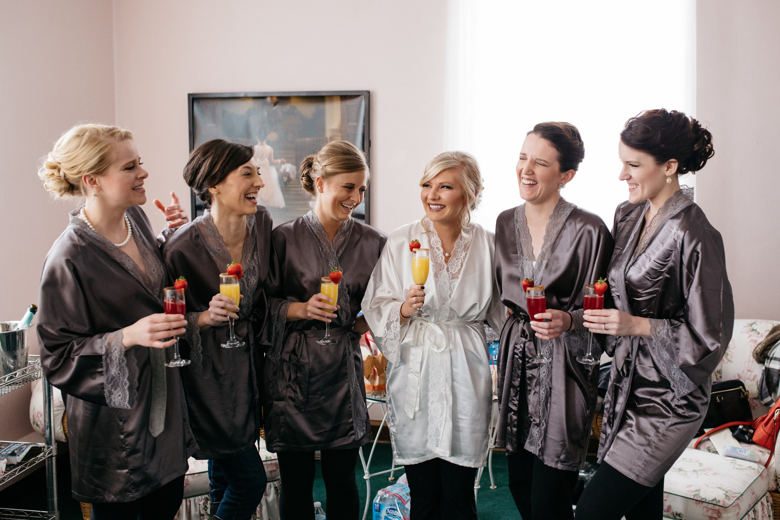Ohio Photographers and Bridesmaids Getting Ready for Wedding