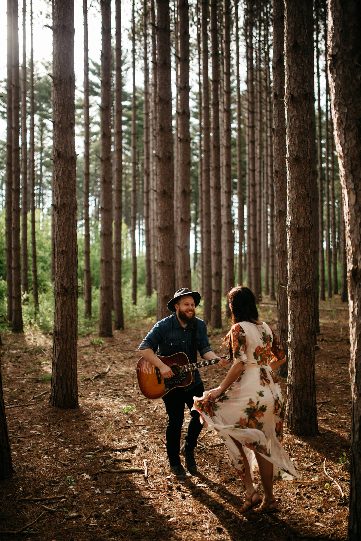 Couple_Dancing_in_the_Woods