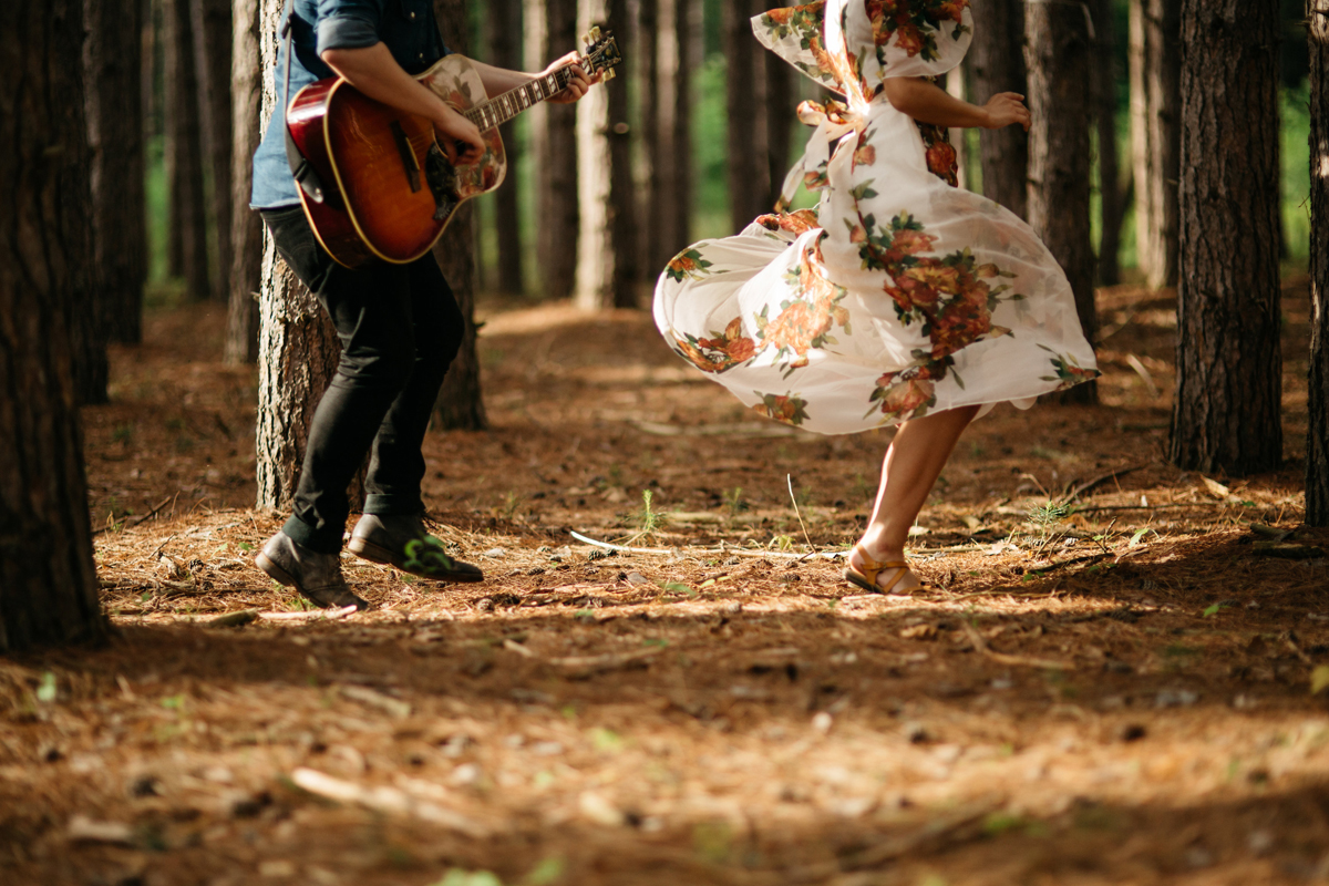 Couple_Dancing_In_Oak_Openings