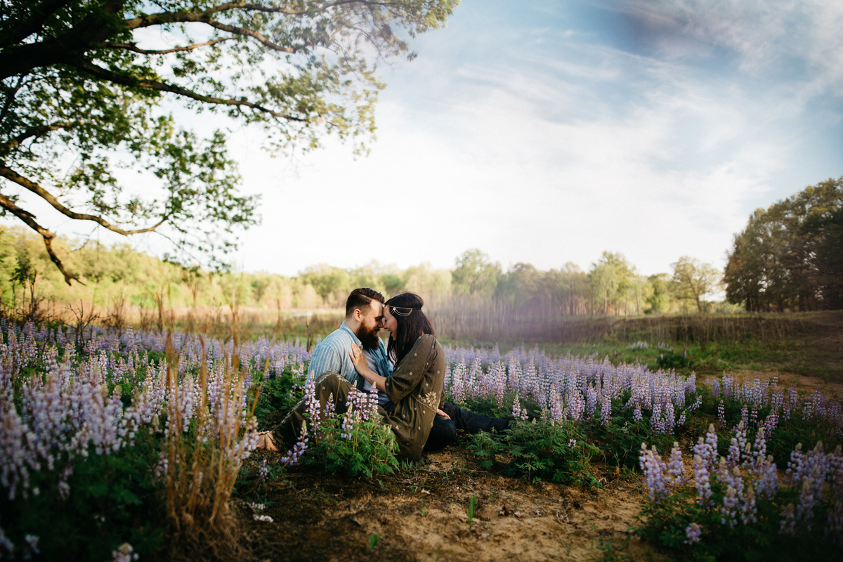 Engagement_Session_in_Field_of_Flowers