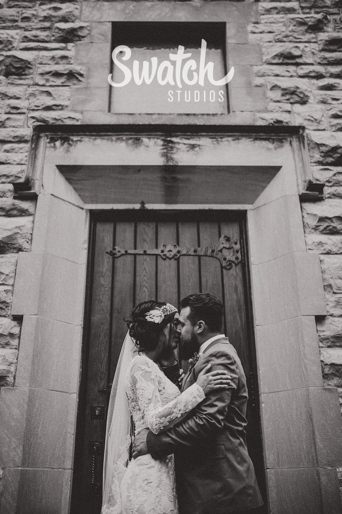 Bride_and_Groom_Intimate_Wedding_Portrait
