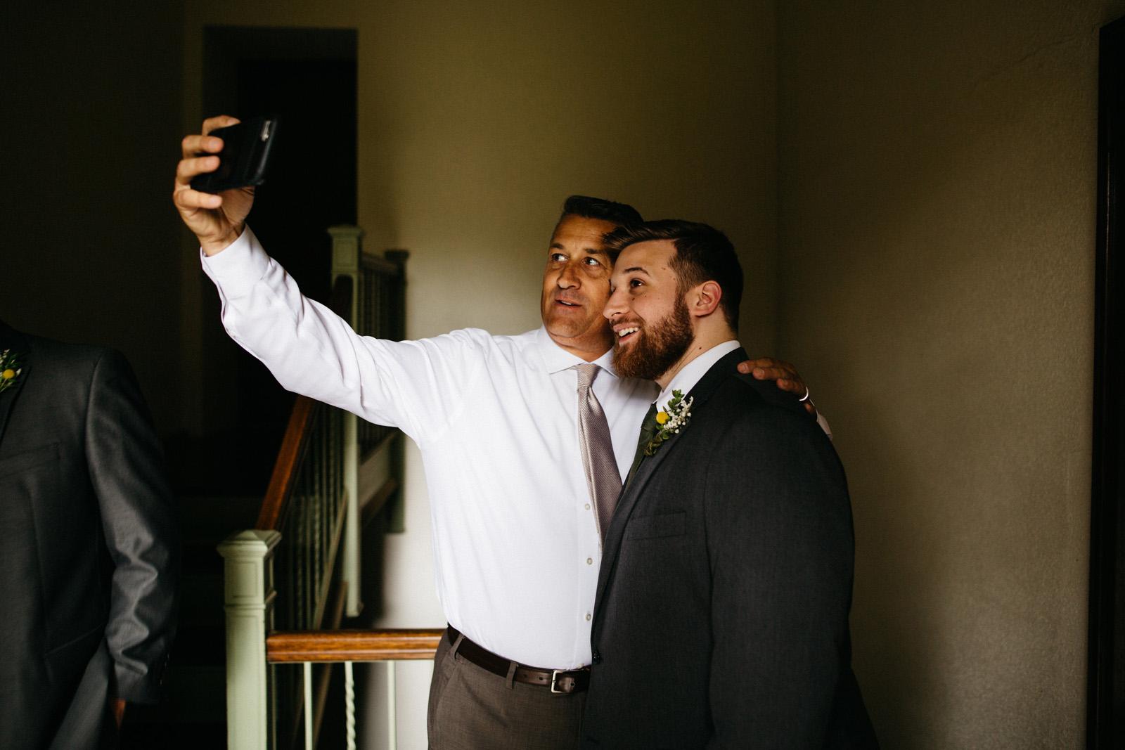 Groomsmen_Selfie