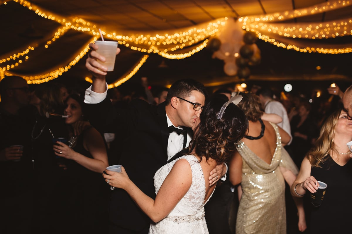 Bride_and_Groom_Midnight_Kiss