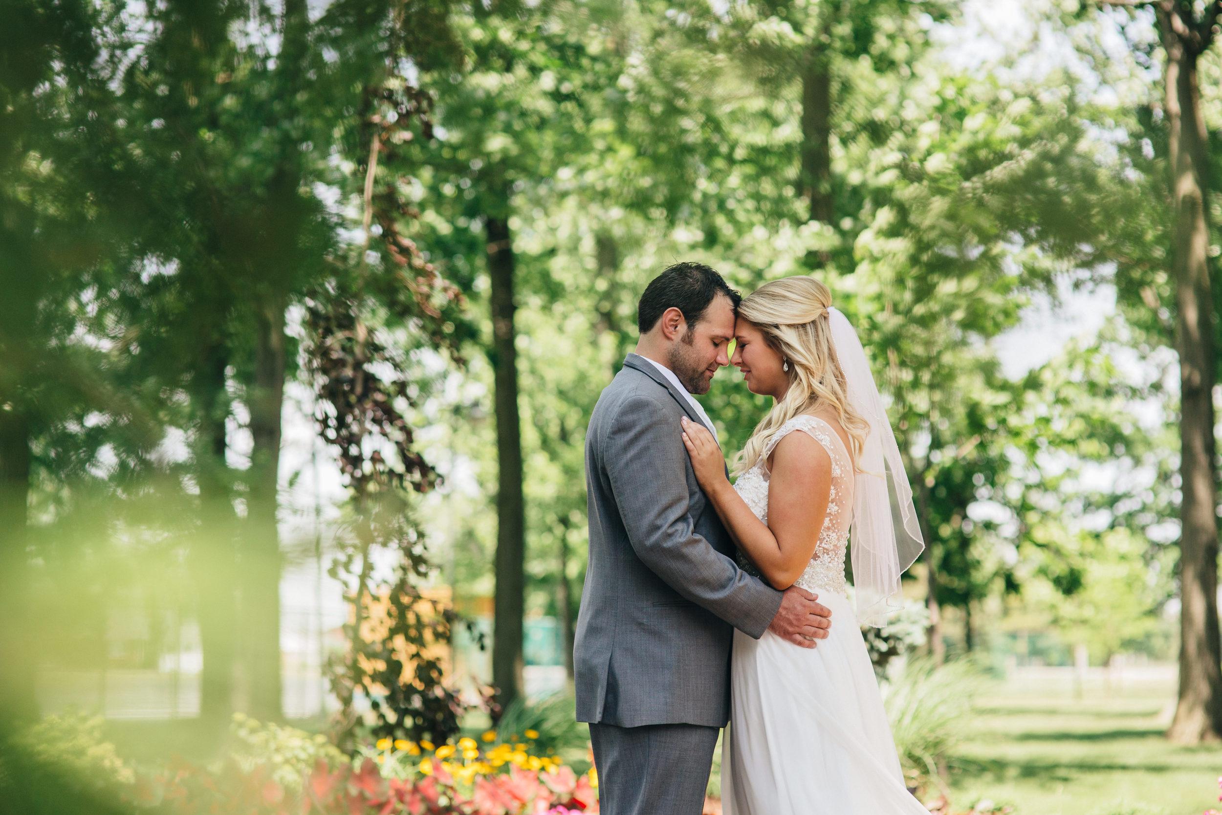Wedding photographers from Toledo, Ohio shoot summer wedding in Oregon, Ohio.