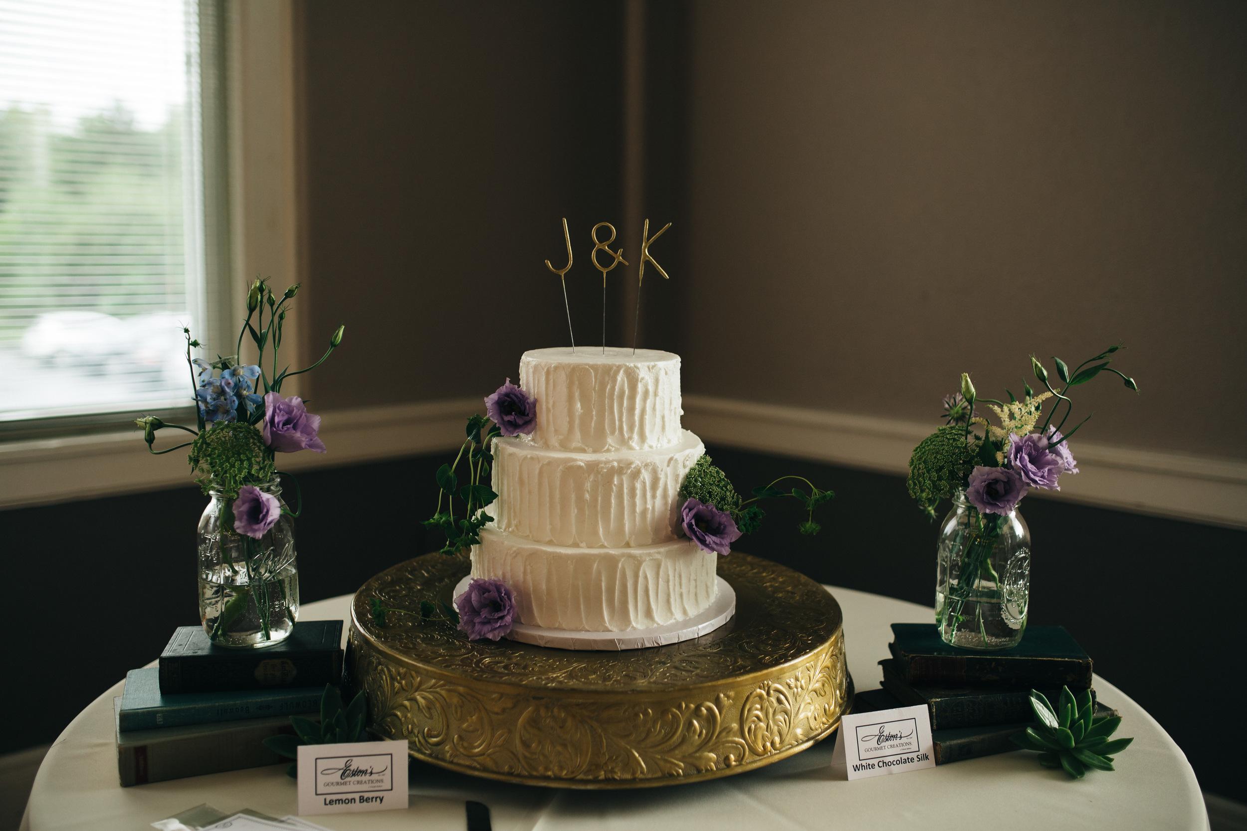 Eston's Bakery wedding cake from Toledo, Ohio.