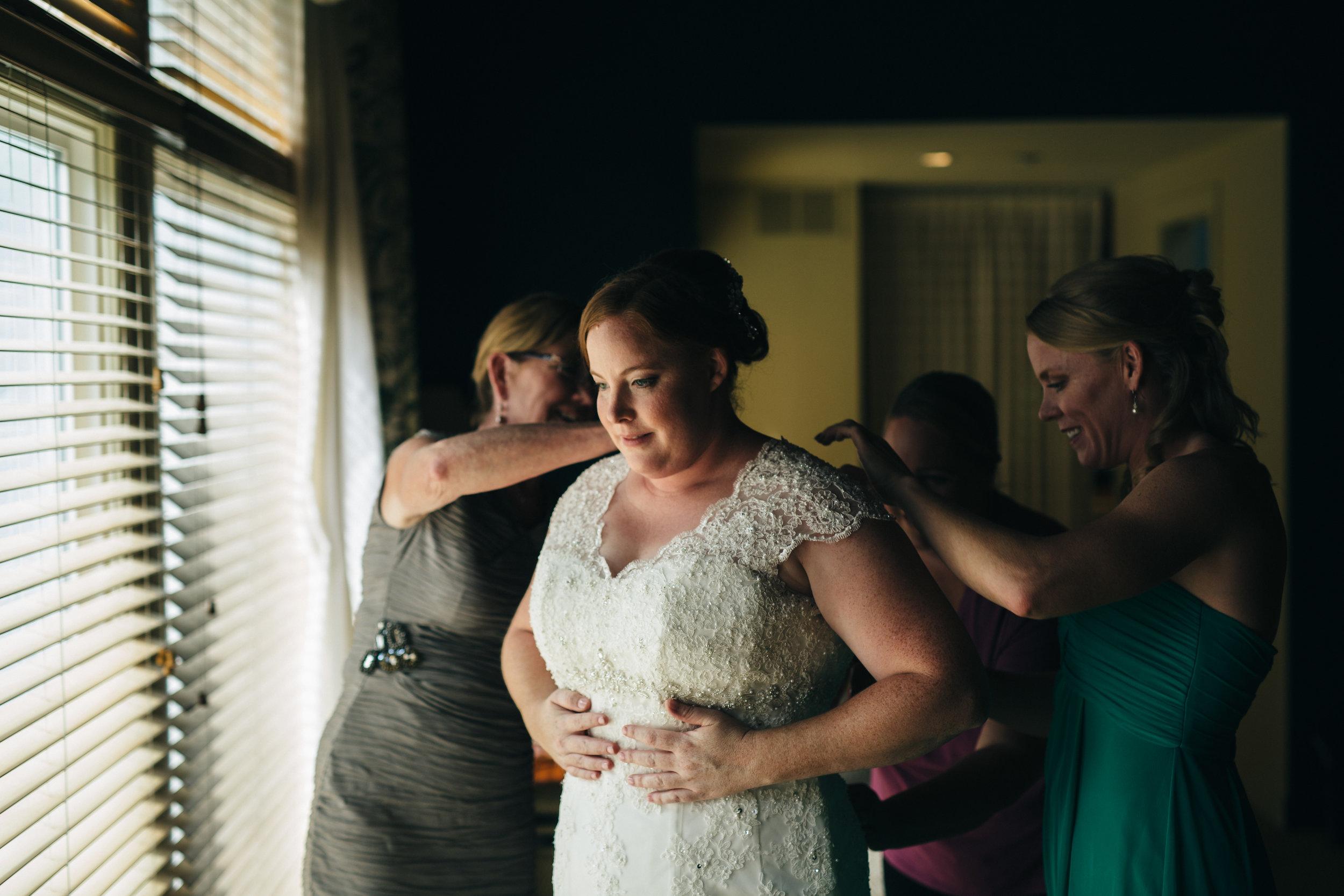 Wedding photography at Walden Inn & Spa near Cleveland, Ohio.
