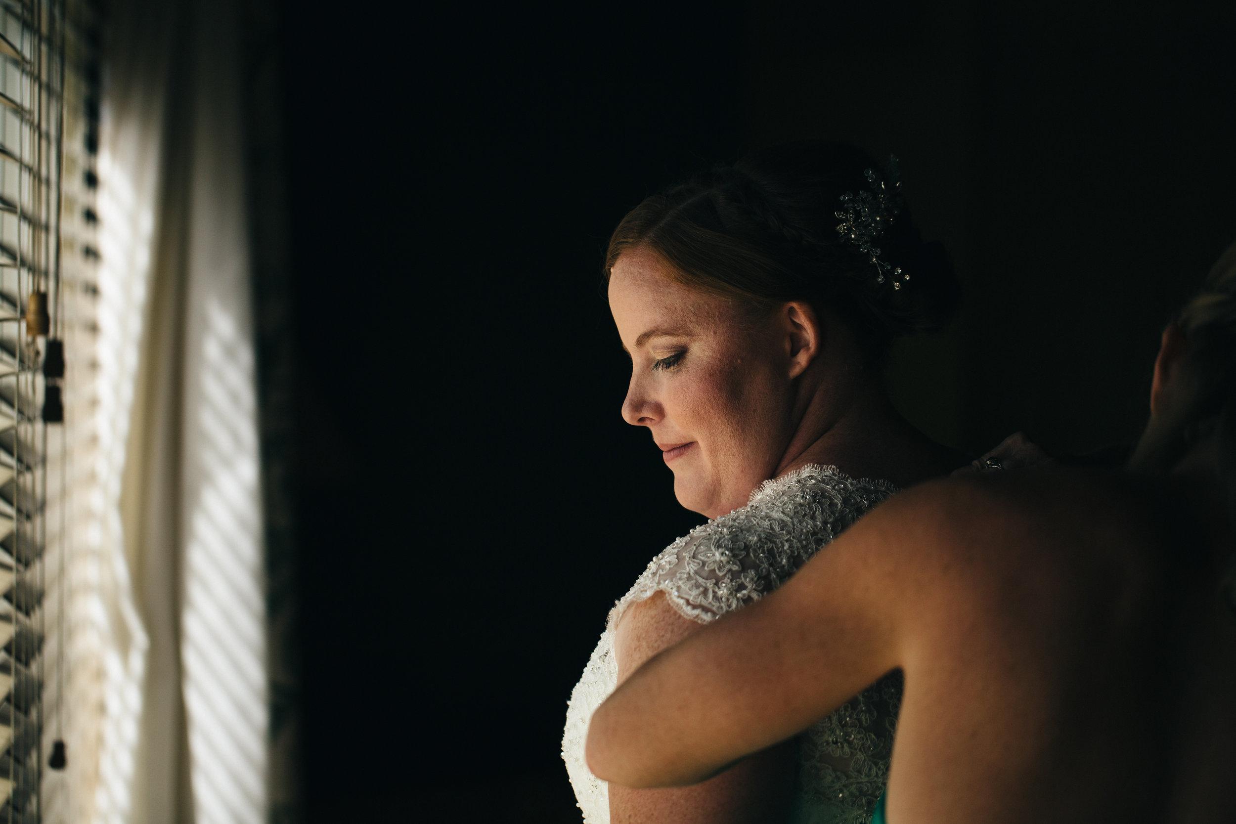 Bride getting ready at Walden Inn, Ohio Wedding.