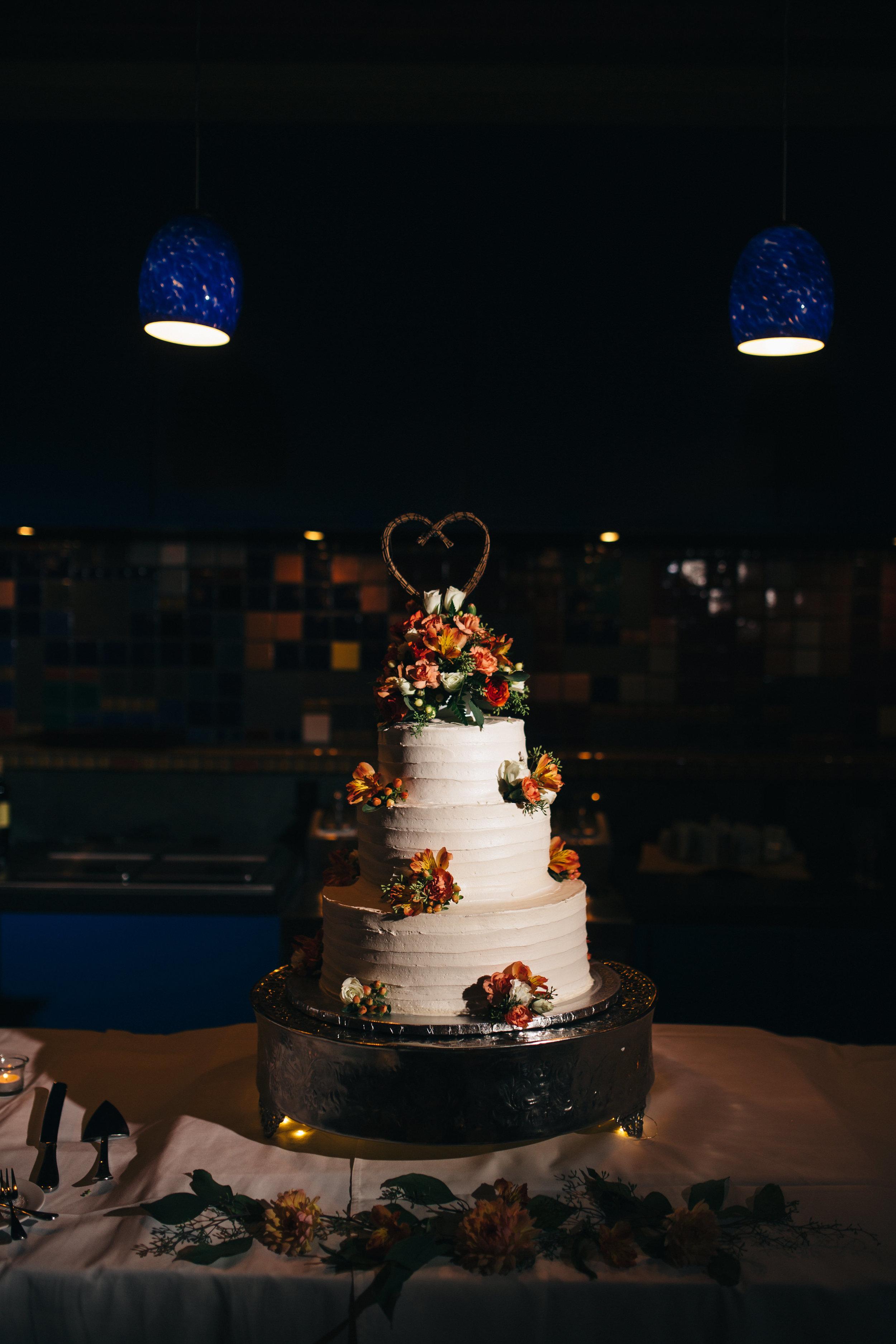 Wedding cake at Walden Inn & Spa Wedding