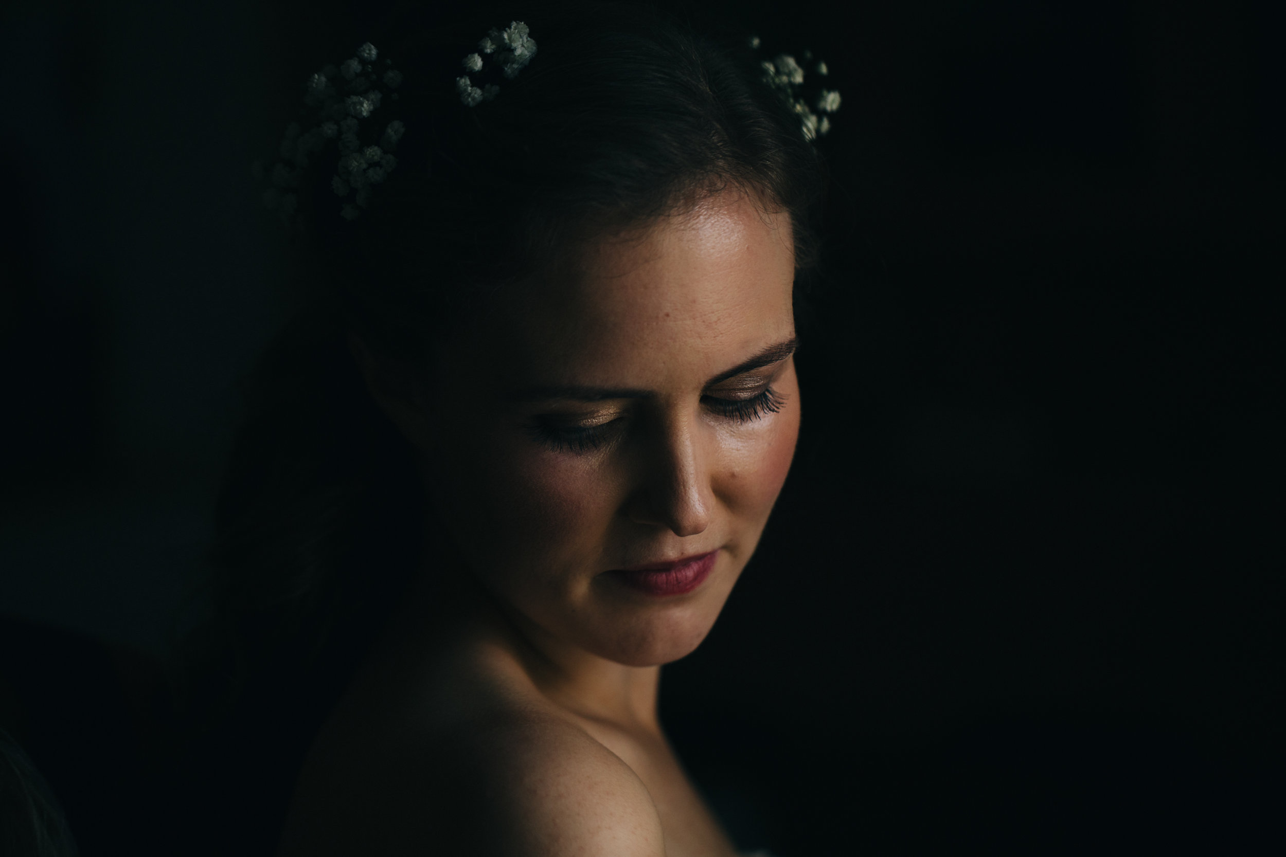 Wedding photography of bride before wedding.