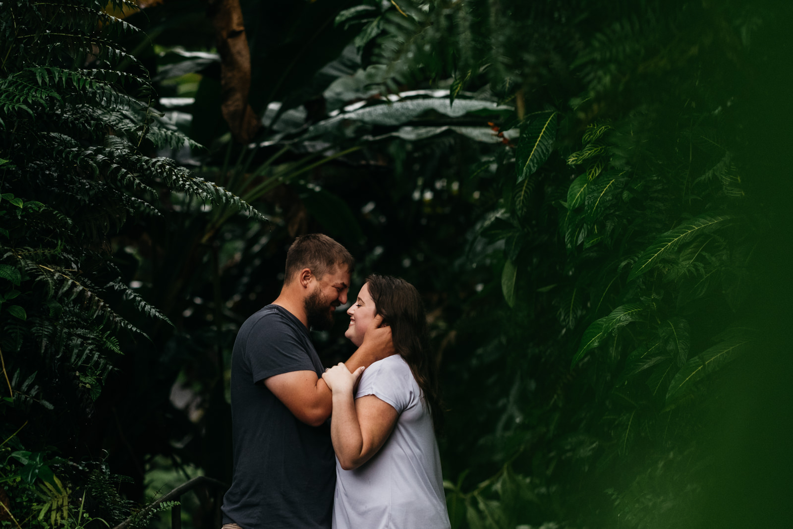 Exploring Kailua-Kona Hawaii for an engagement session.
