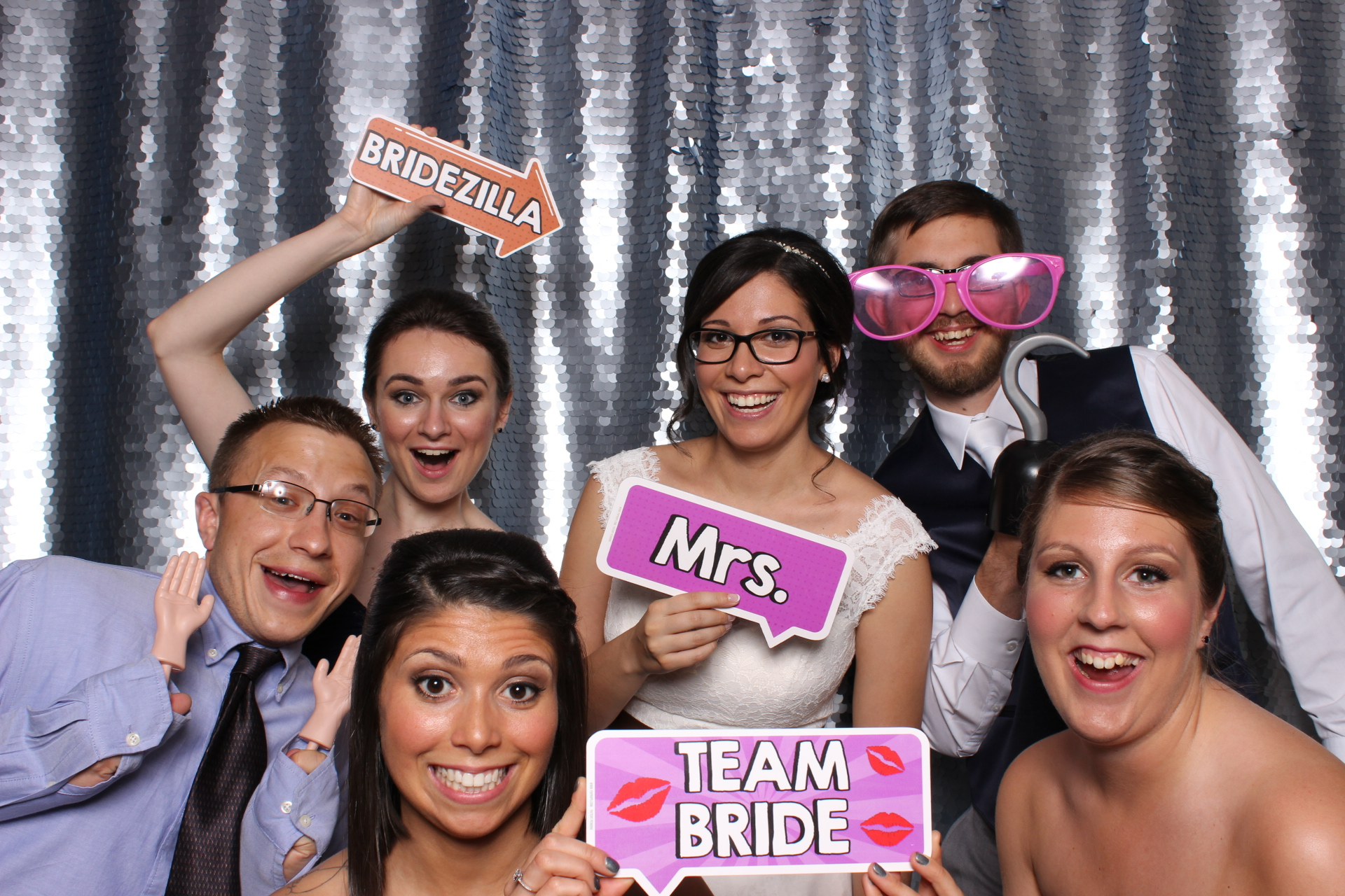 Bridal party at the Inverness Club in Toledo for wedding
