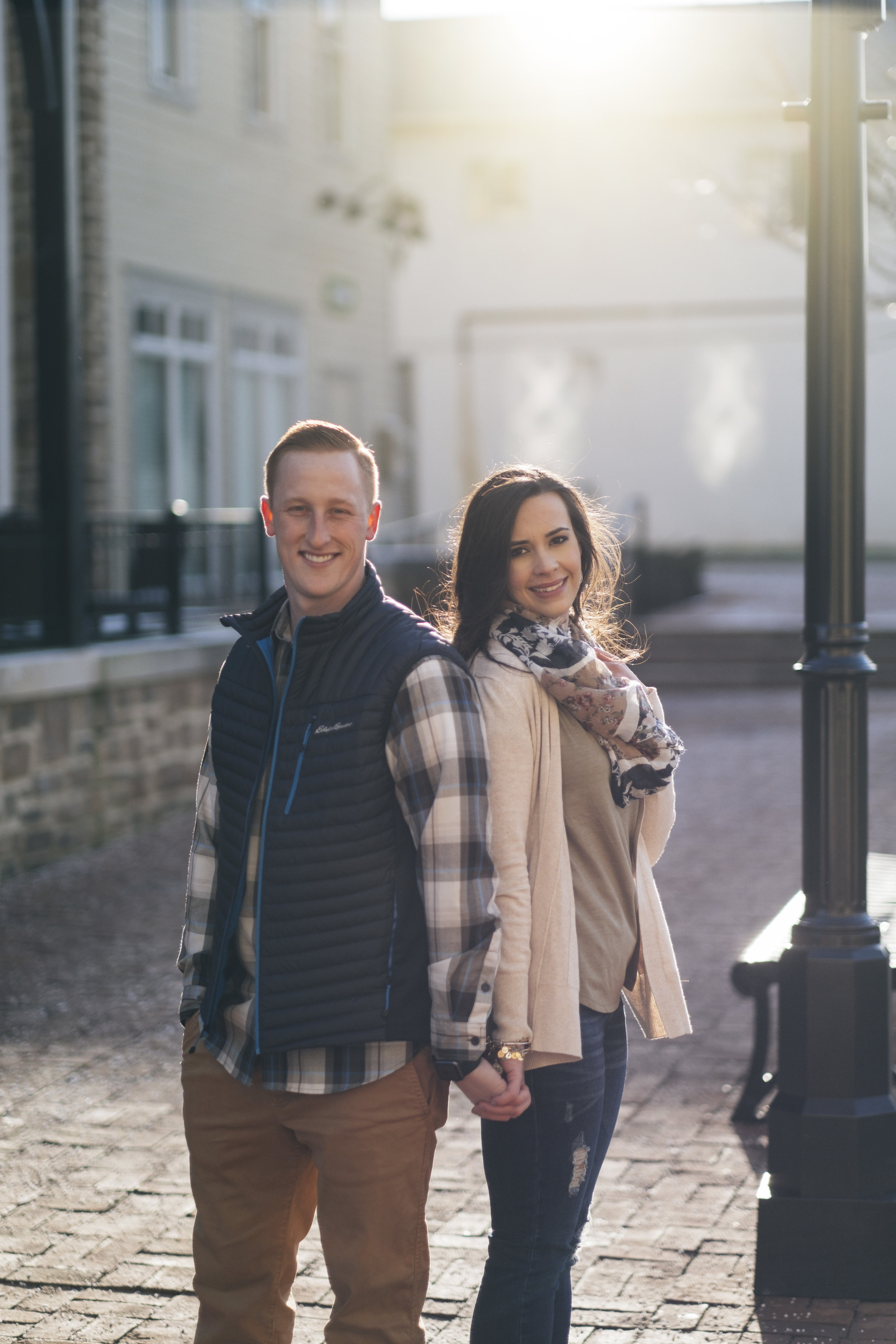 Engagement photography in Columbus, Ohio during the winter.