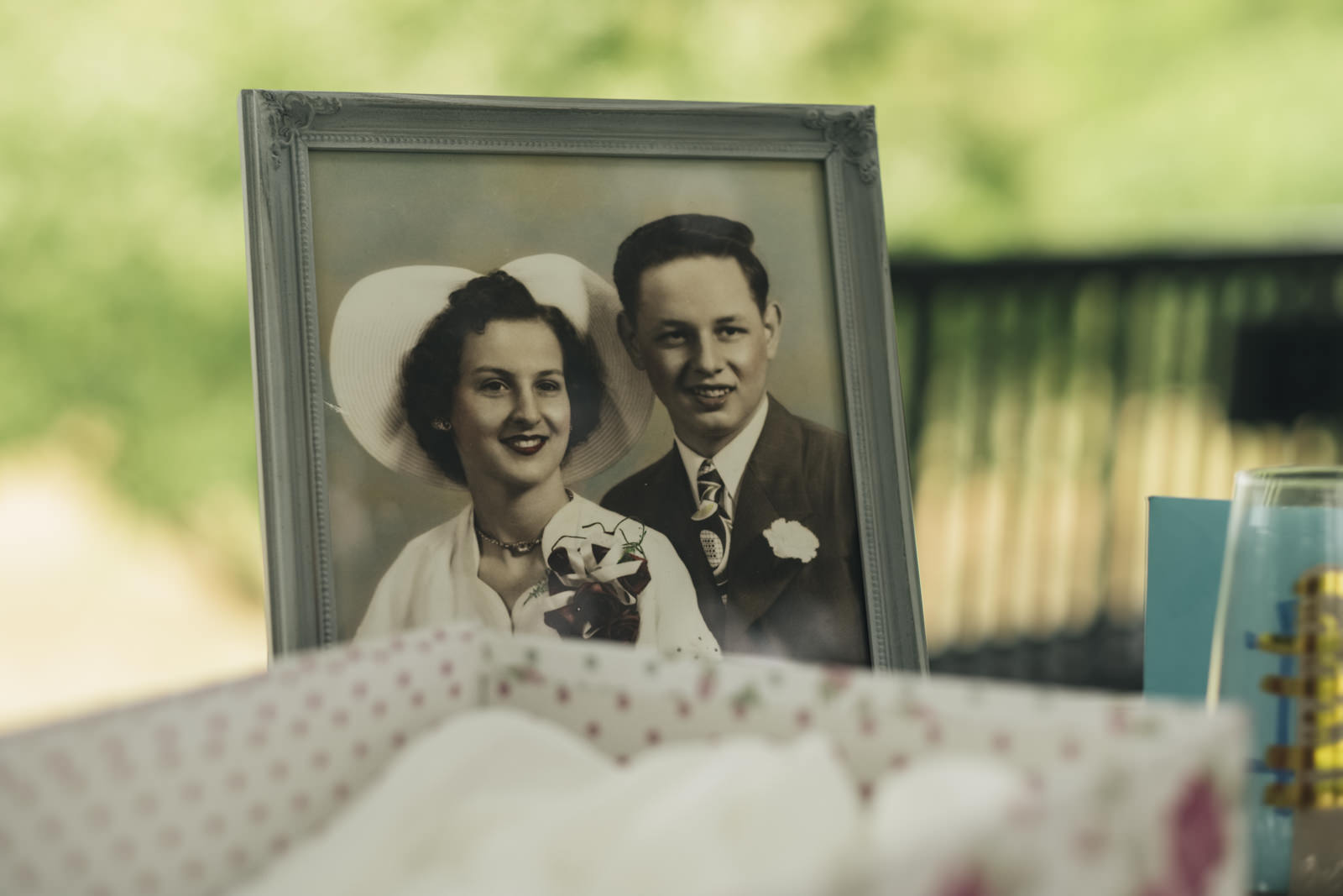 Details at a wedding elopement in Toledo, Ohio.