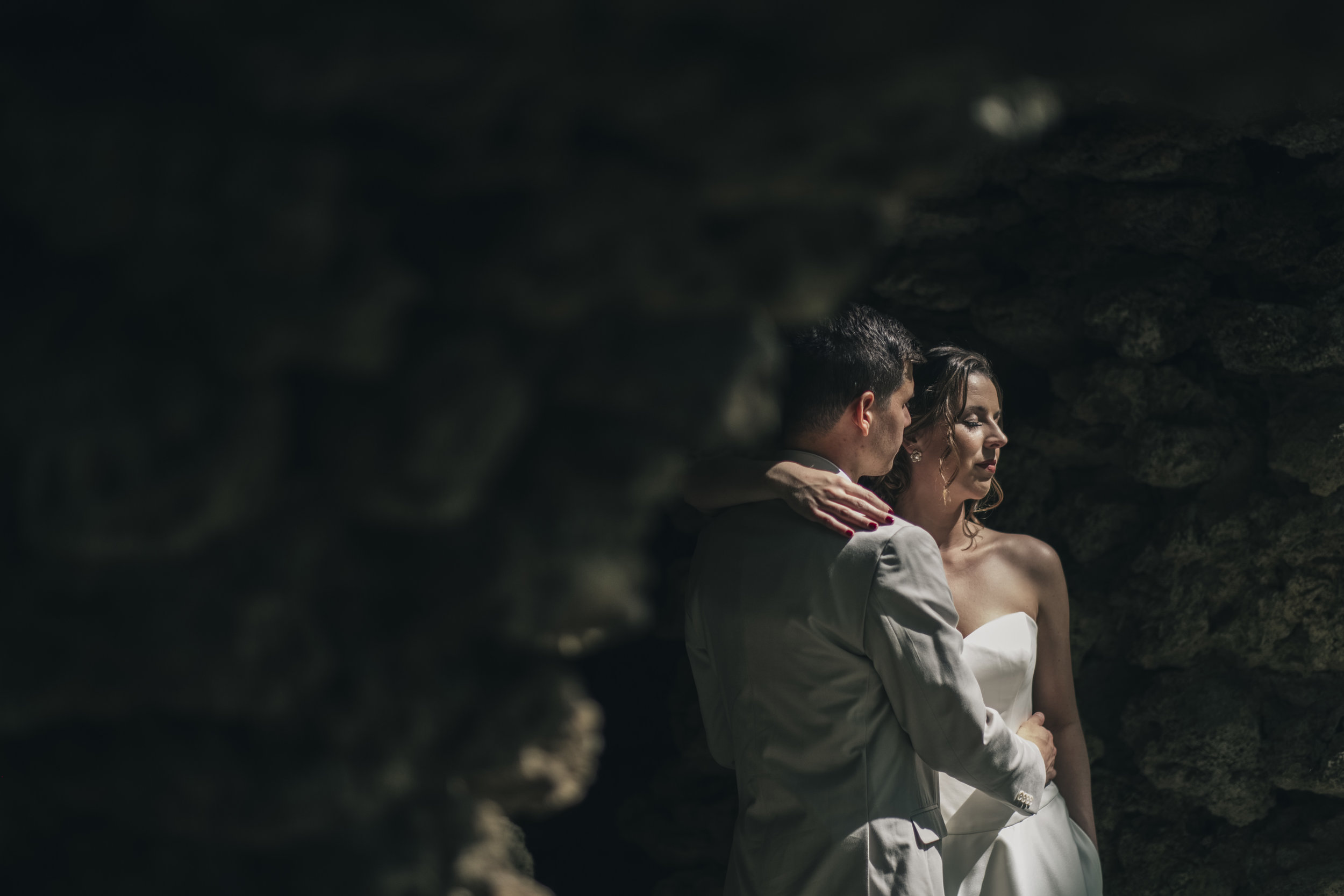 Portrait of the bride and groom during their creative session.